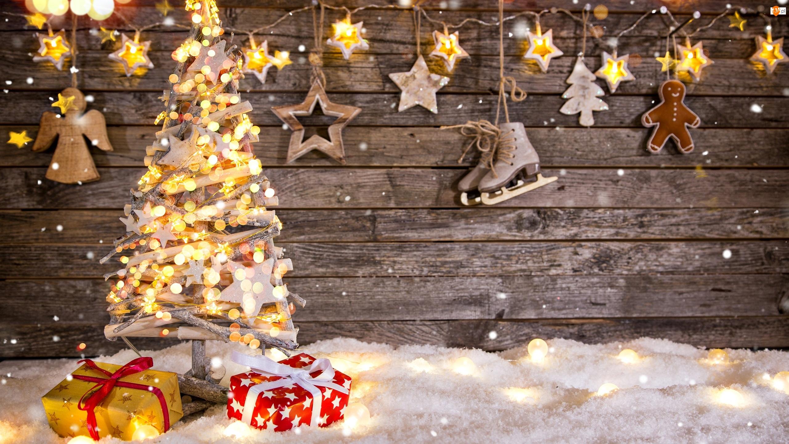 Choinka, Boże Narodzenie, Łyżwy, Śnieg, Prezenty, Gwiazdki