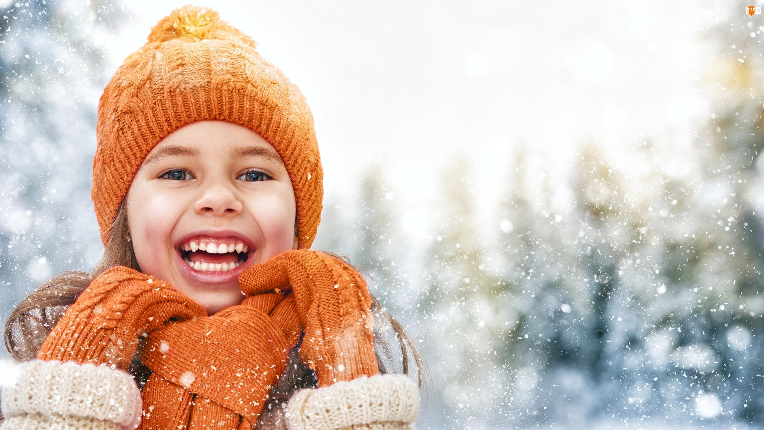 Rękawiczki, Uśmiechnięta, Czapka, Dzianina, Dziewczynka, Szalik, Zima, Pomarańczowa