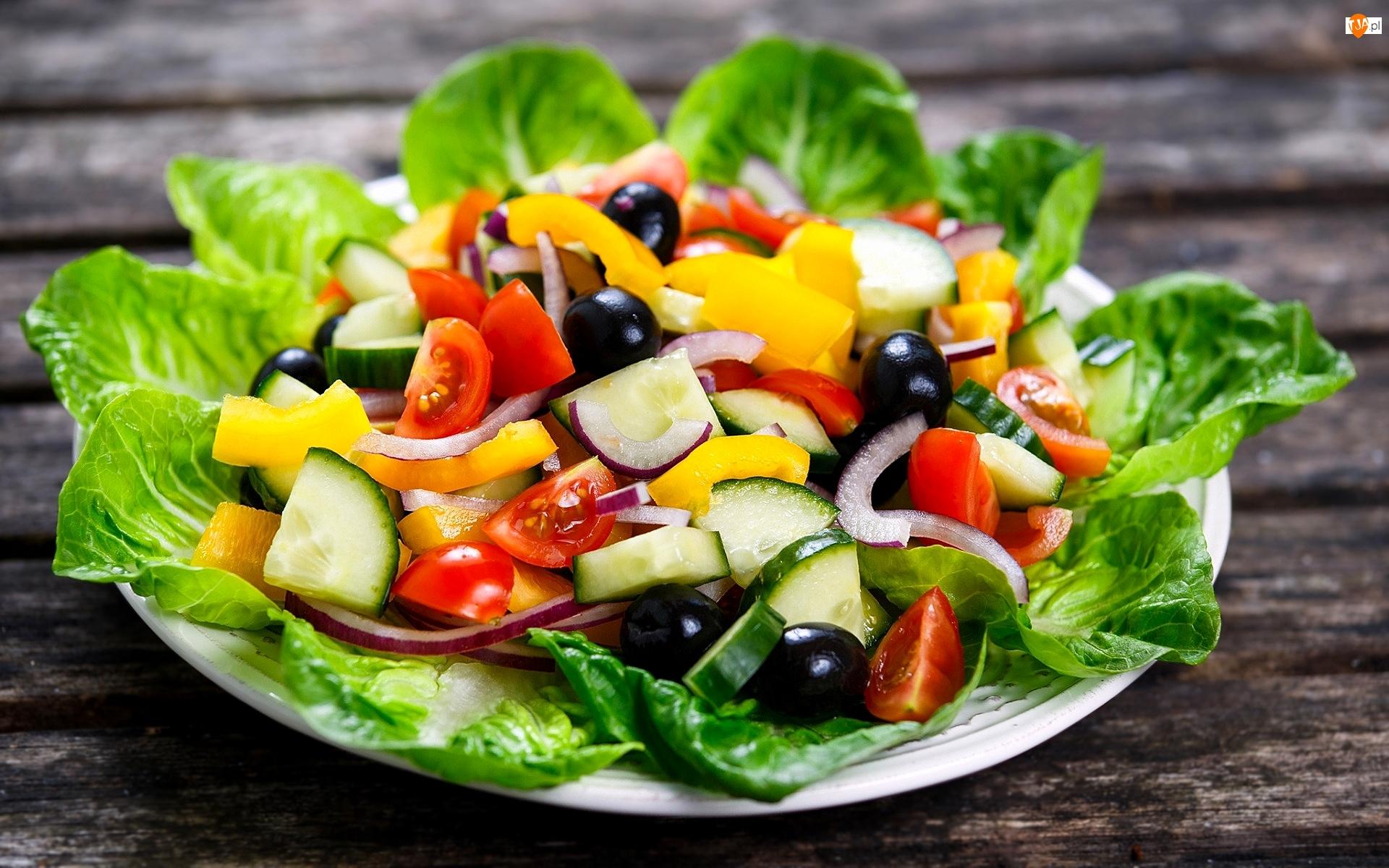 Cebula, Sałatka, Oliwki, Ogórek, Warzywa, Sałata, Talerz, Pomidory