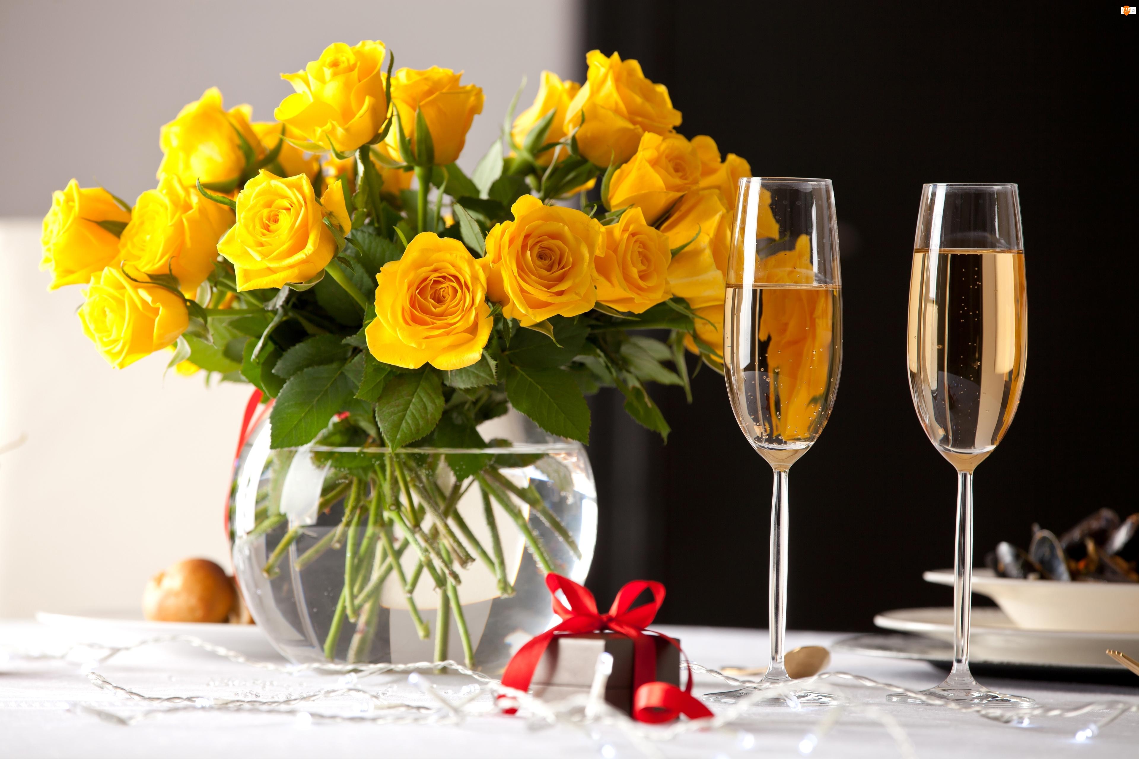 Żółte, Róże, Prezent, Wazon, Wino, Białe, Kieliszki