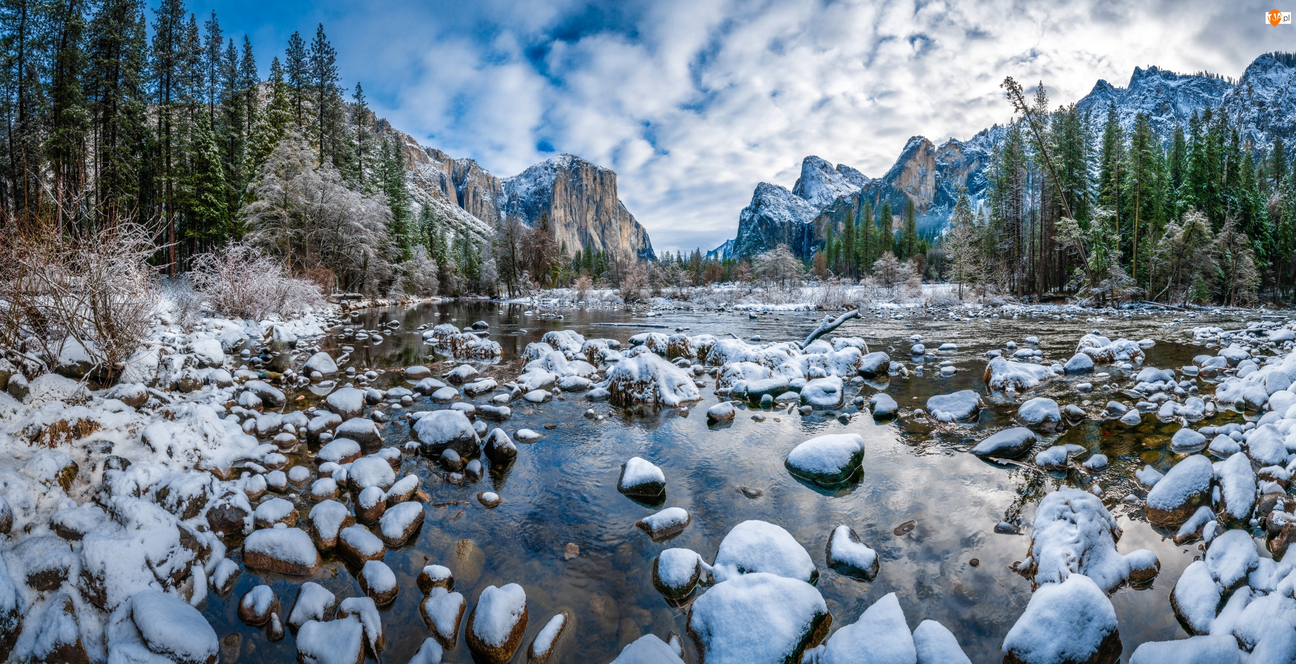 Zima, Park Narodowy Yosemite, Kamienie, Stan Kalifornia, Góry, Śnieg, Stany Zjednoczone, Rzeka Merced River