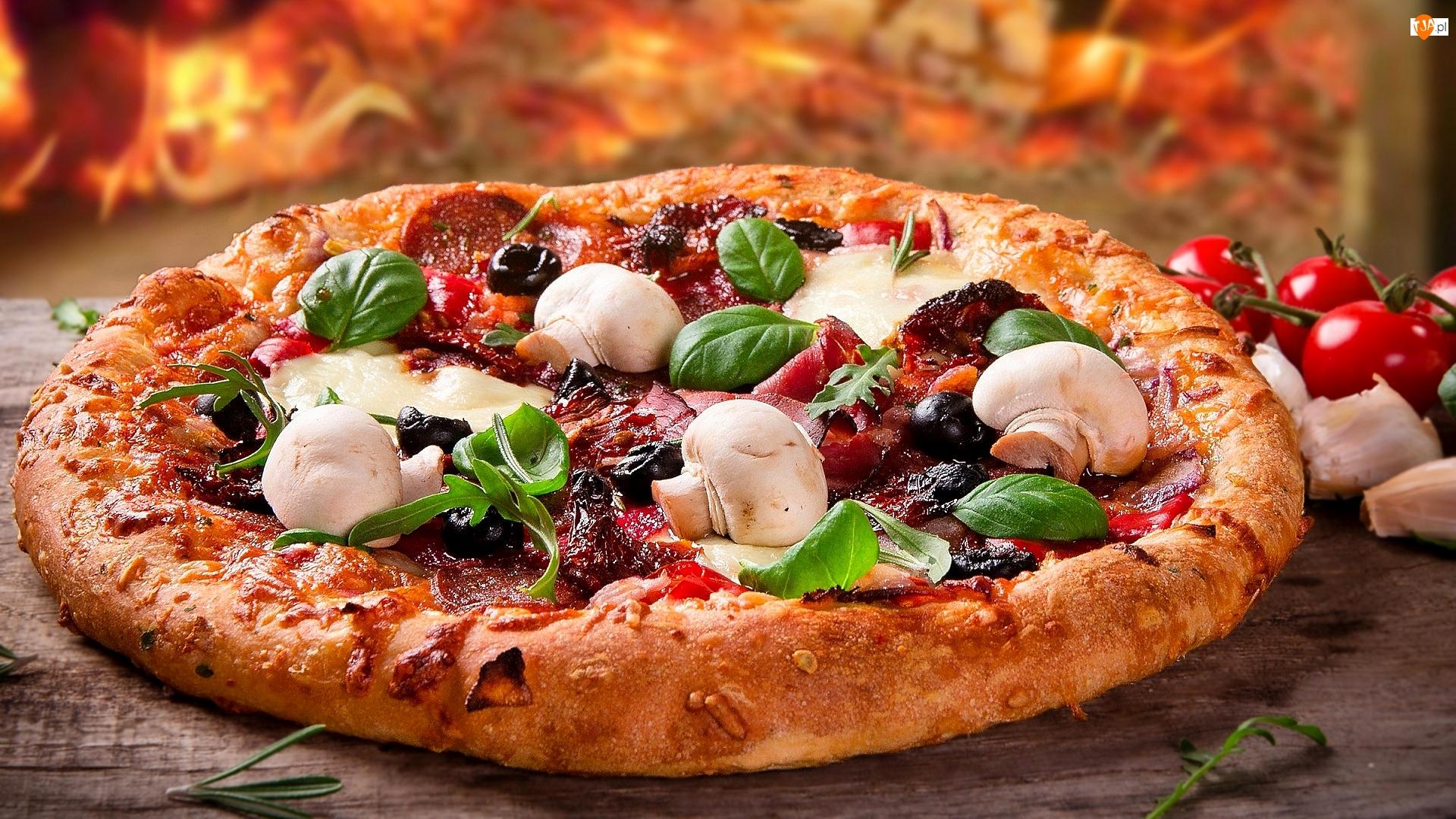 Pieczarki, Pizza, Wędlina, Bazylia, Pomidory, Oliwki
