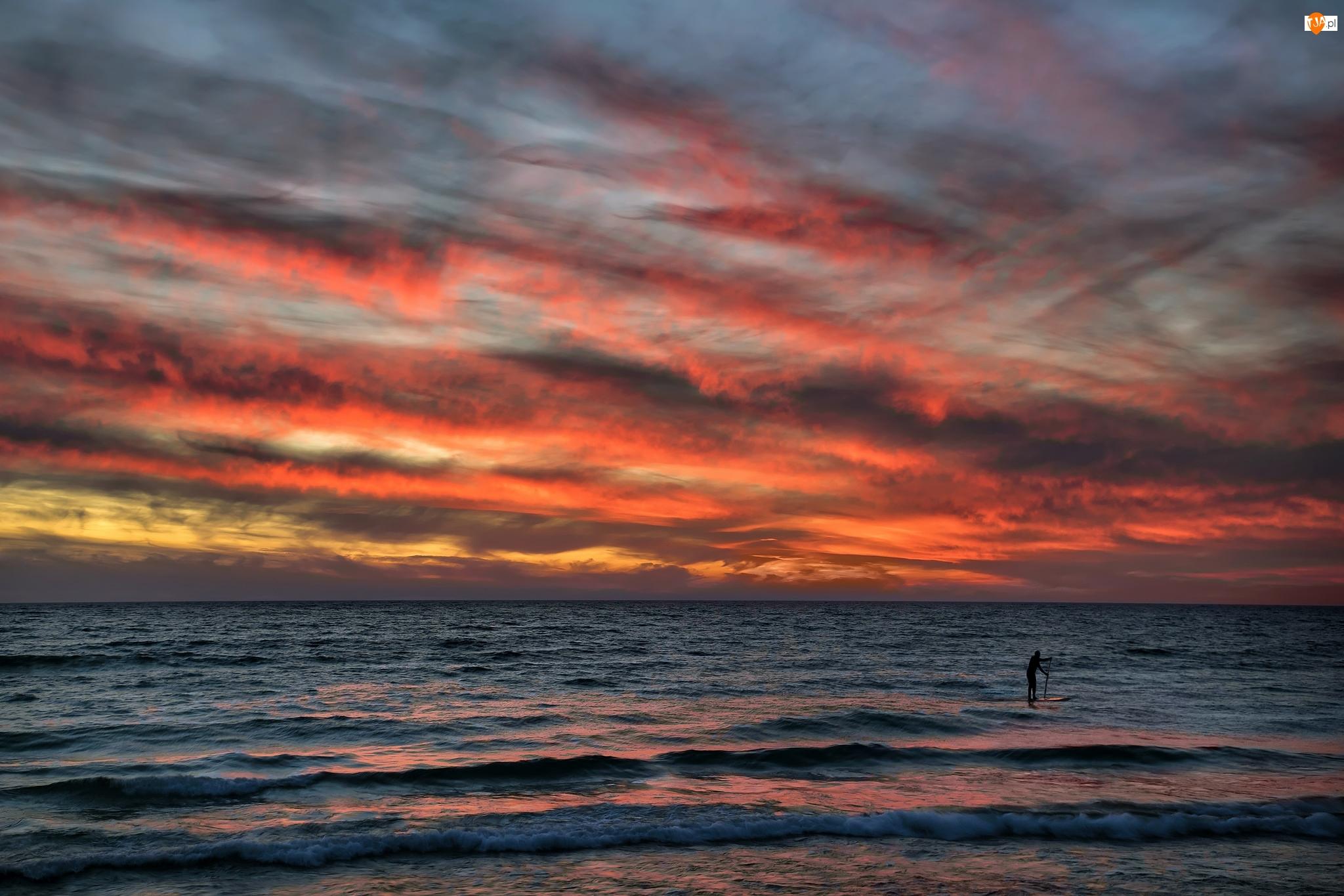 Kolorowe, Człowiek, Zachód słońca, Morze, Chmury