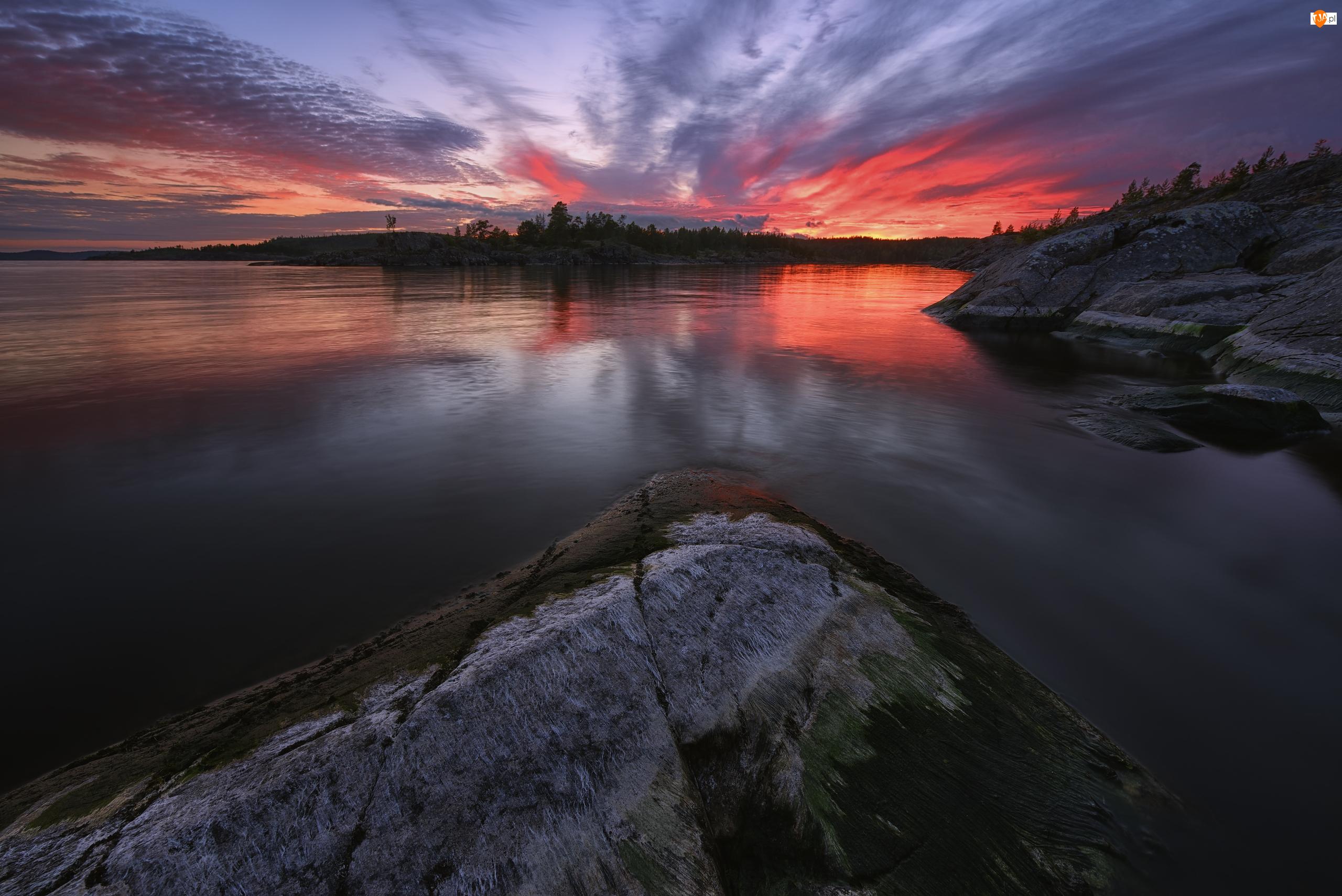 Skały, Drzewa, Rosja, Jezioro Ładoga, Karelia, Zachód słońca, Chmury