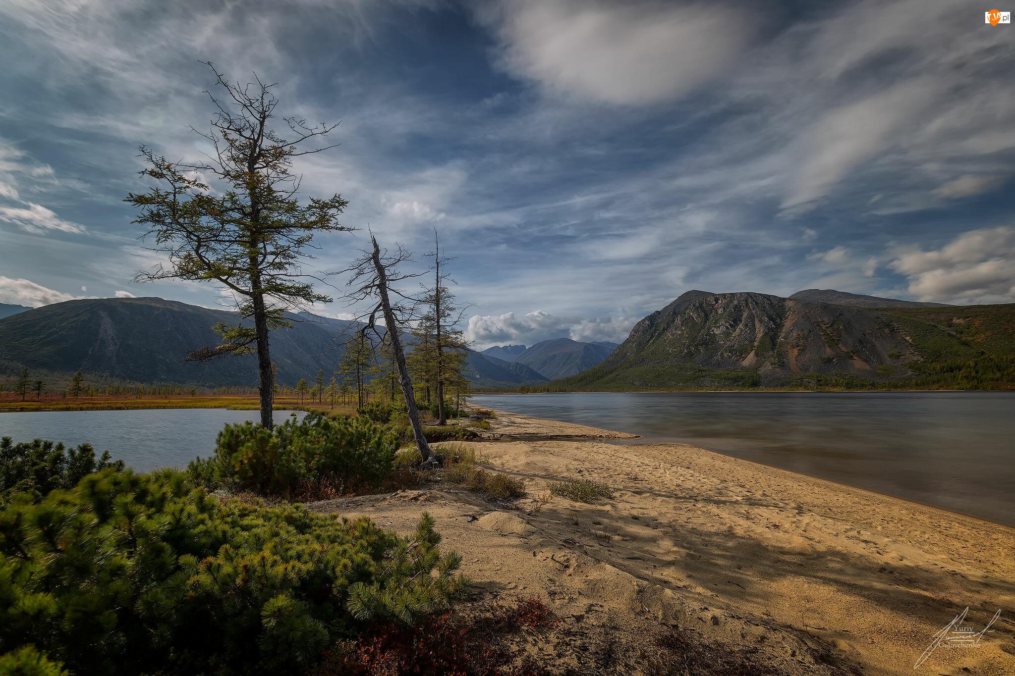 Kołyma, Niebo, Góry Kołymskie, Magadan, Chmury, Jezioro Jacka Londona, Rosja, Drzewa