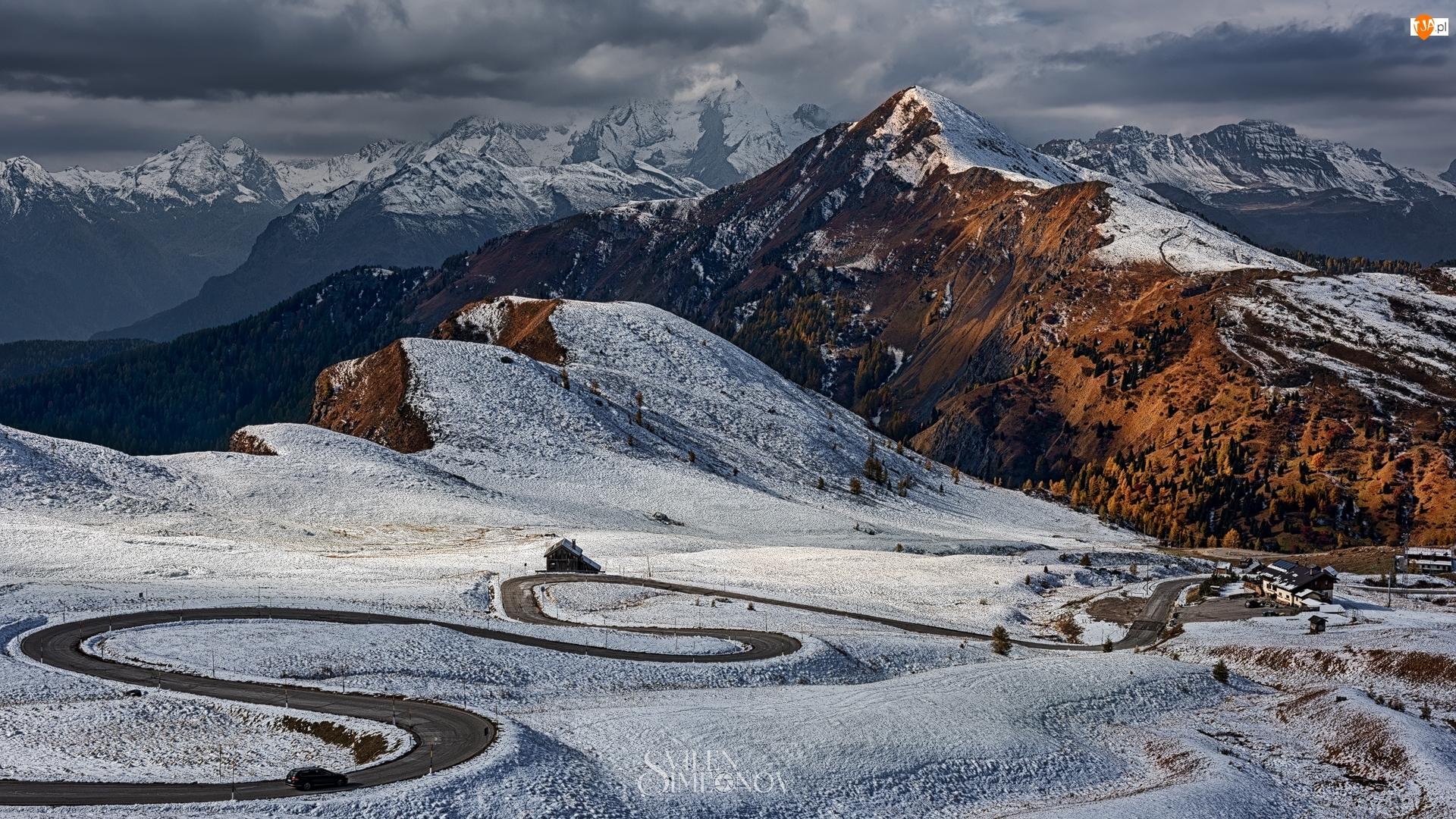 Przełęcz, Włochy, Prowincja Belluno, Zima, Góry, Góry, Droga, Dolomity