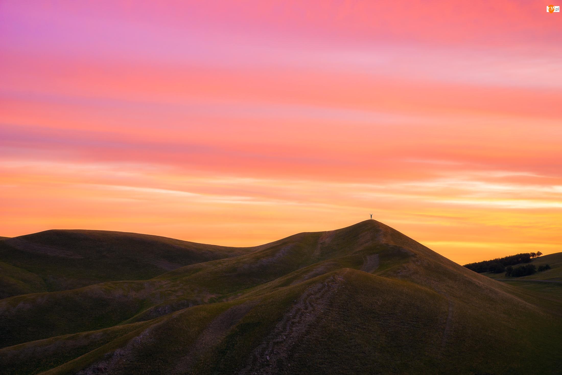 Zachód słońca, Wzgórza