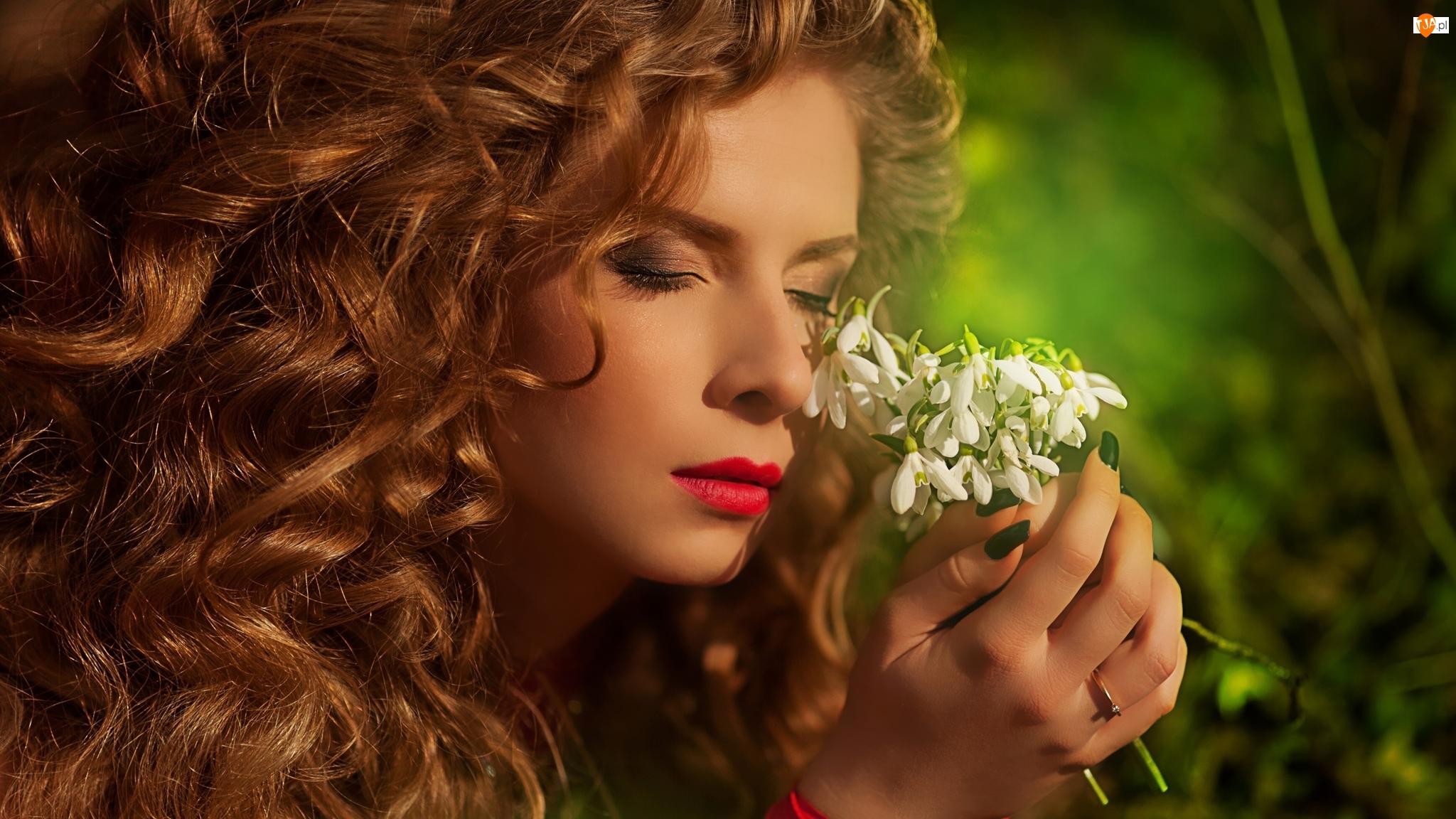 Rudowłosa, Kobieta, Oczy, Przebiśniegi, Zamknięte, Kwiaty