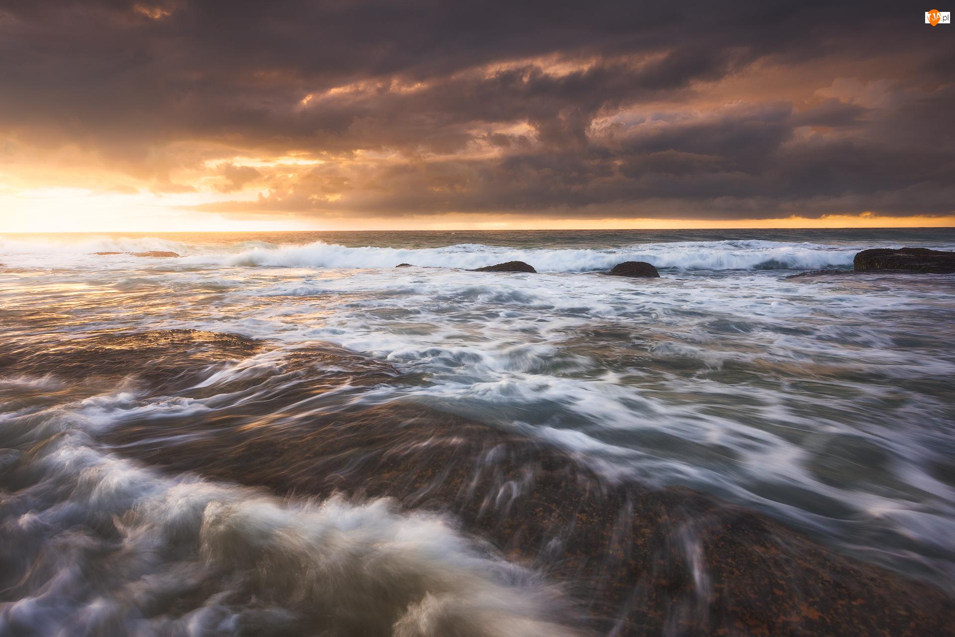 Wschód słońca, Chmury, Skały, Morze, Ciemne