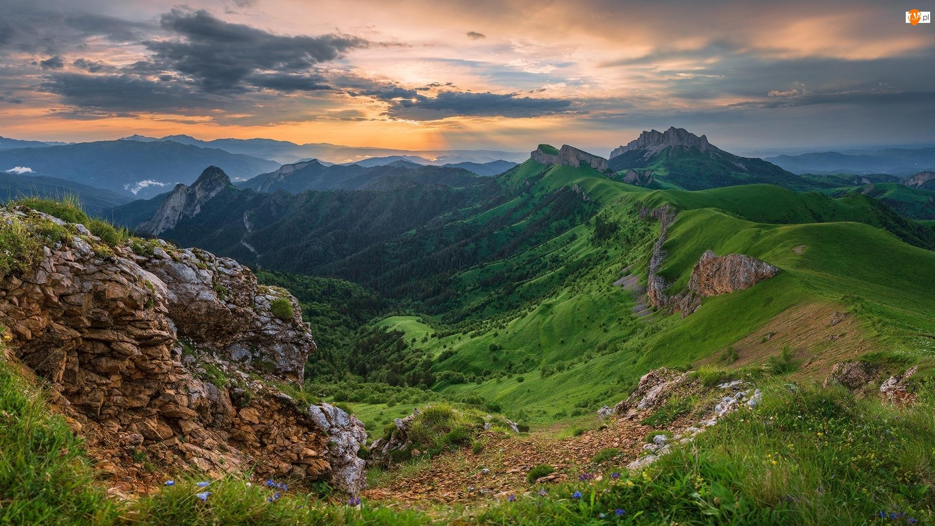 Kaukaz, Dolina, Rosja, Góry, Adygeja, Chmury, Zachód słońca