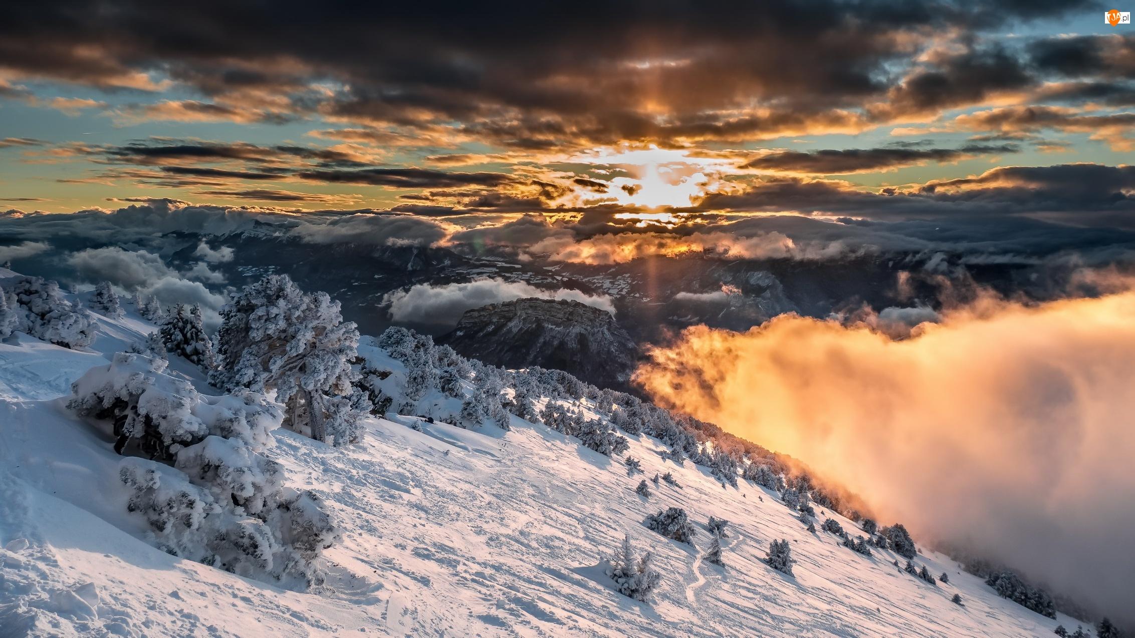 Stok, Zachód słońca, Góry, Zima, Chmury