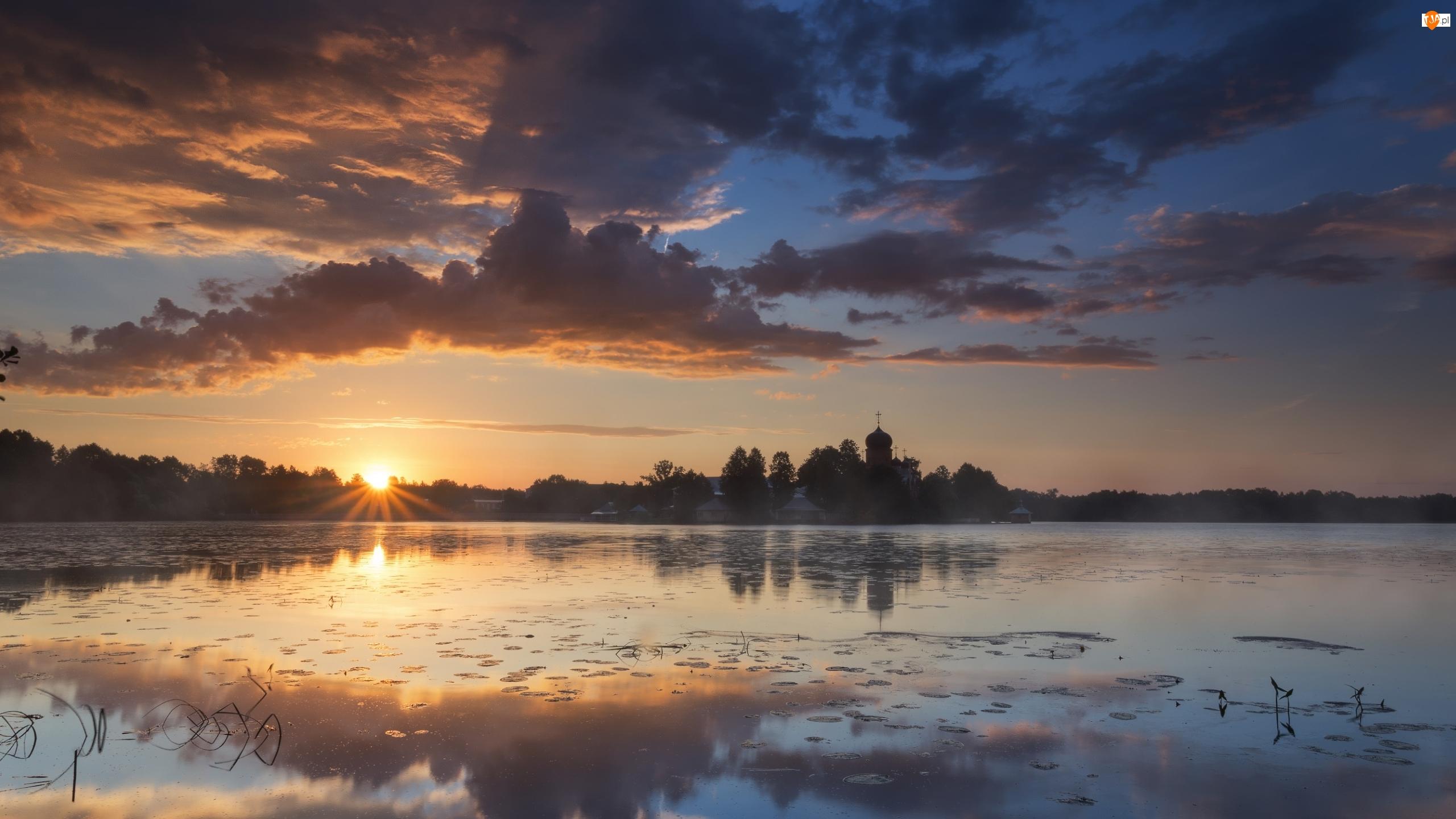 Ciemne, Zachód słońca, Cerkiew, Jezioro, Chmury