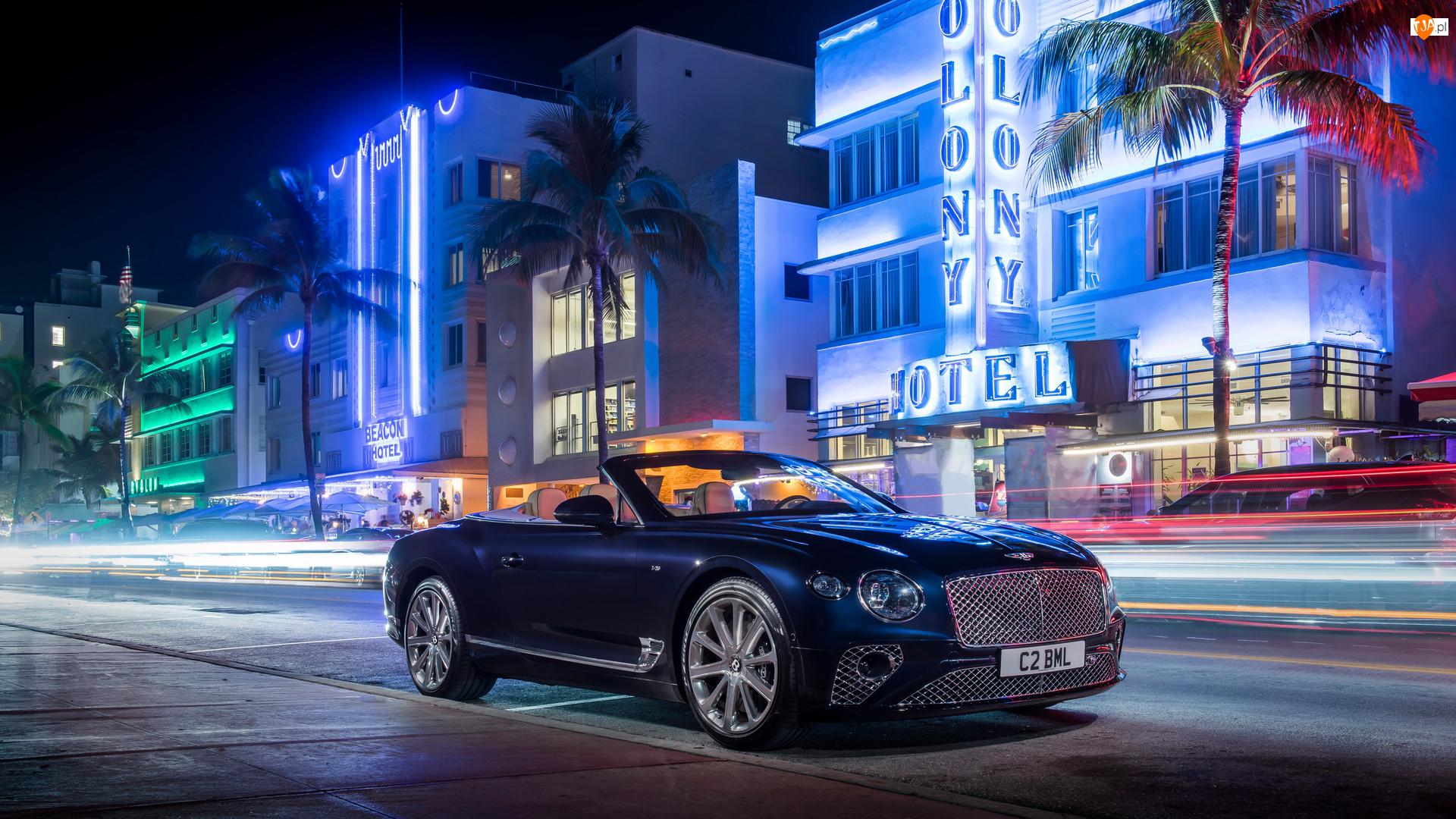 Ulica, Noc, Cabrio, Bentley Continental GT V8, Domy