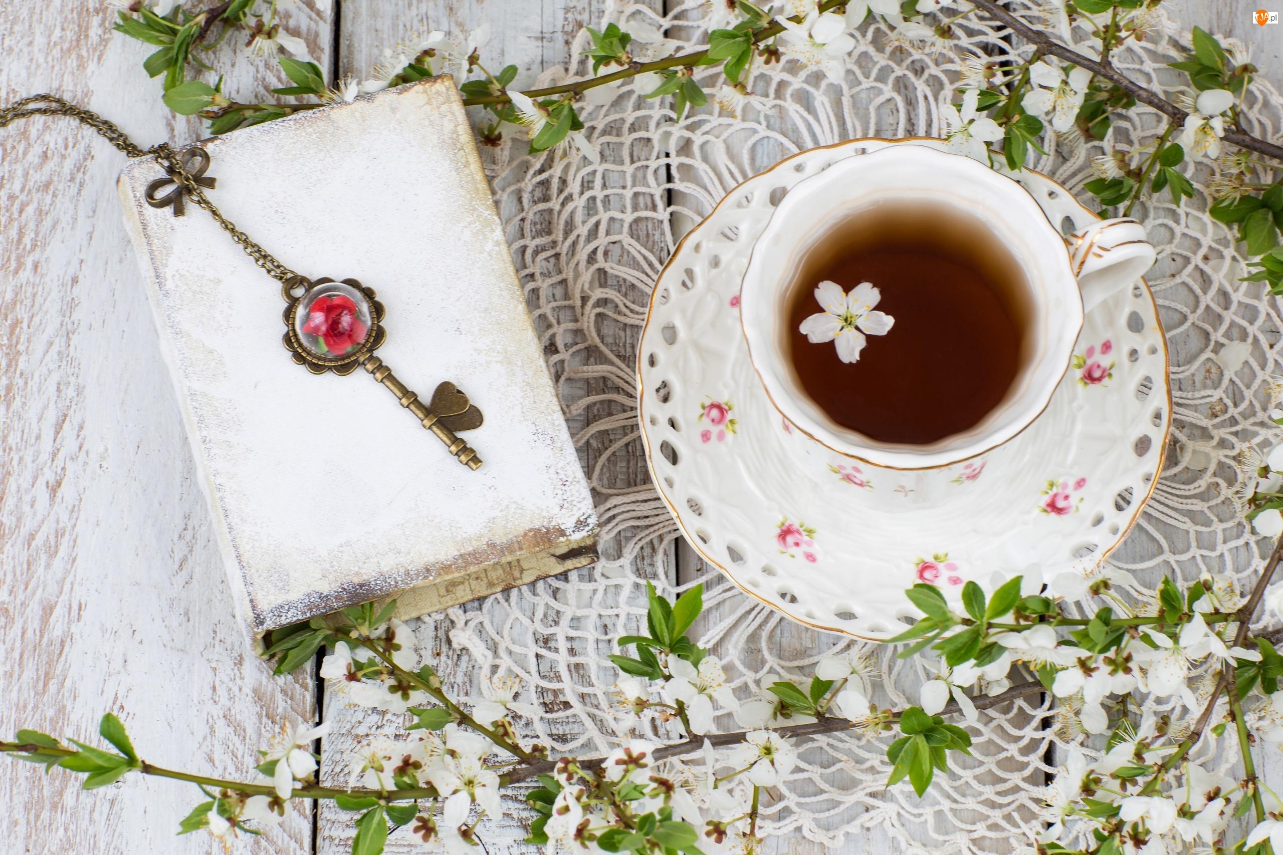 Kwiat, Herbata, Spodek, Kompozycja, Filiżanka, Książka, Klucz