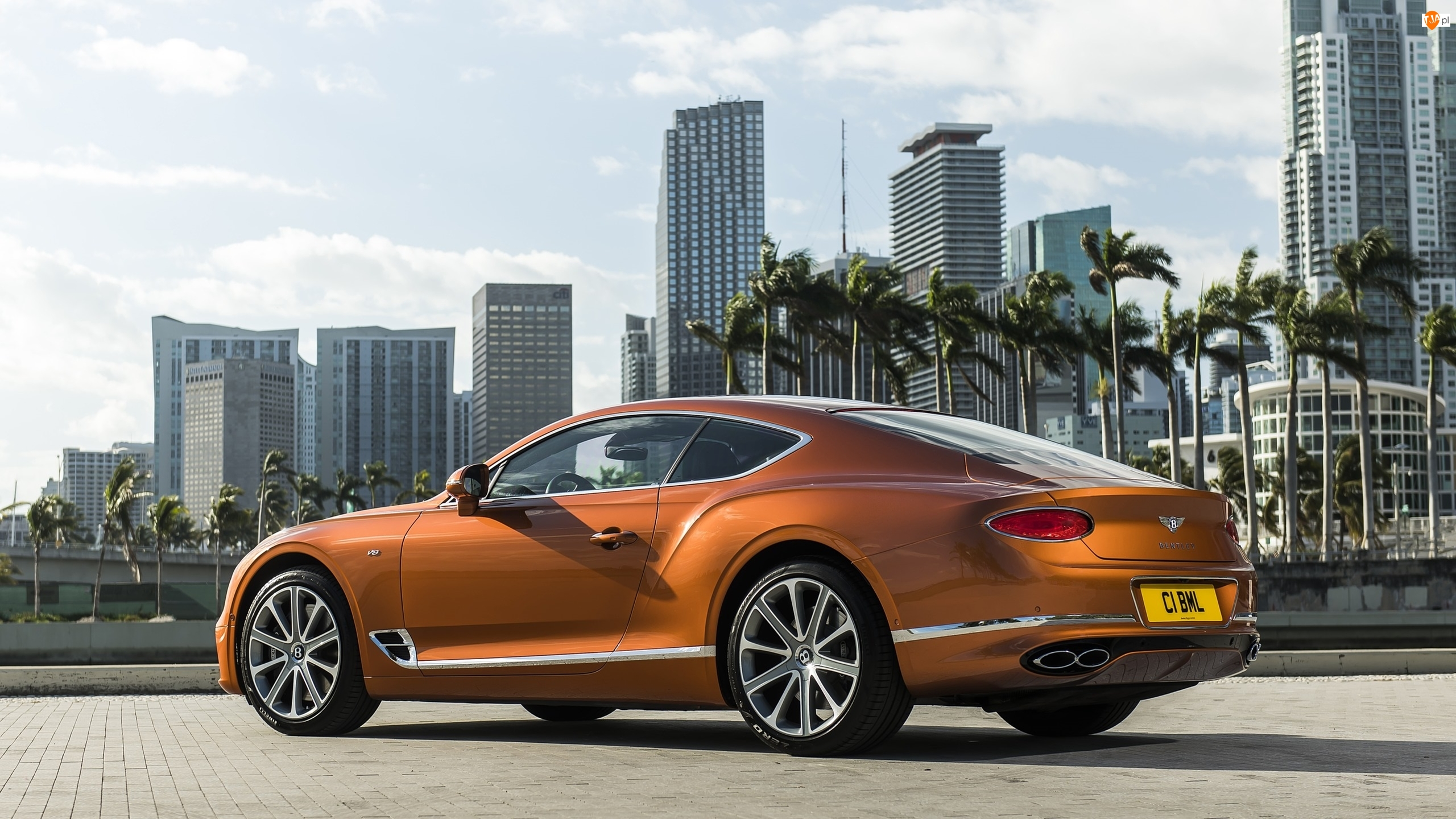 Bok, Bentley Continental GT V8 Coupe