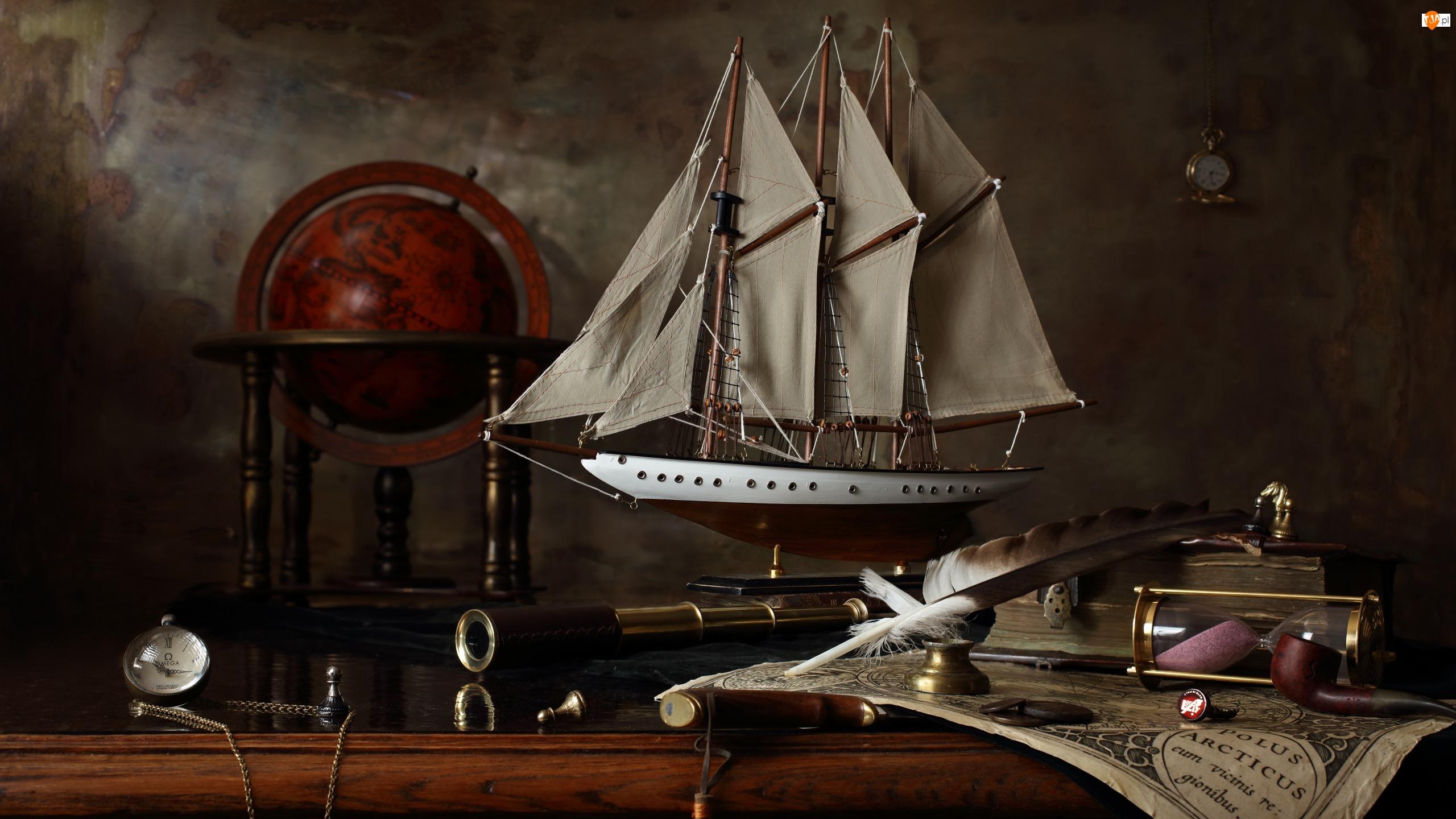 Luneta, Kompozycja, Statek, Globus
