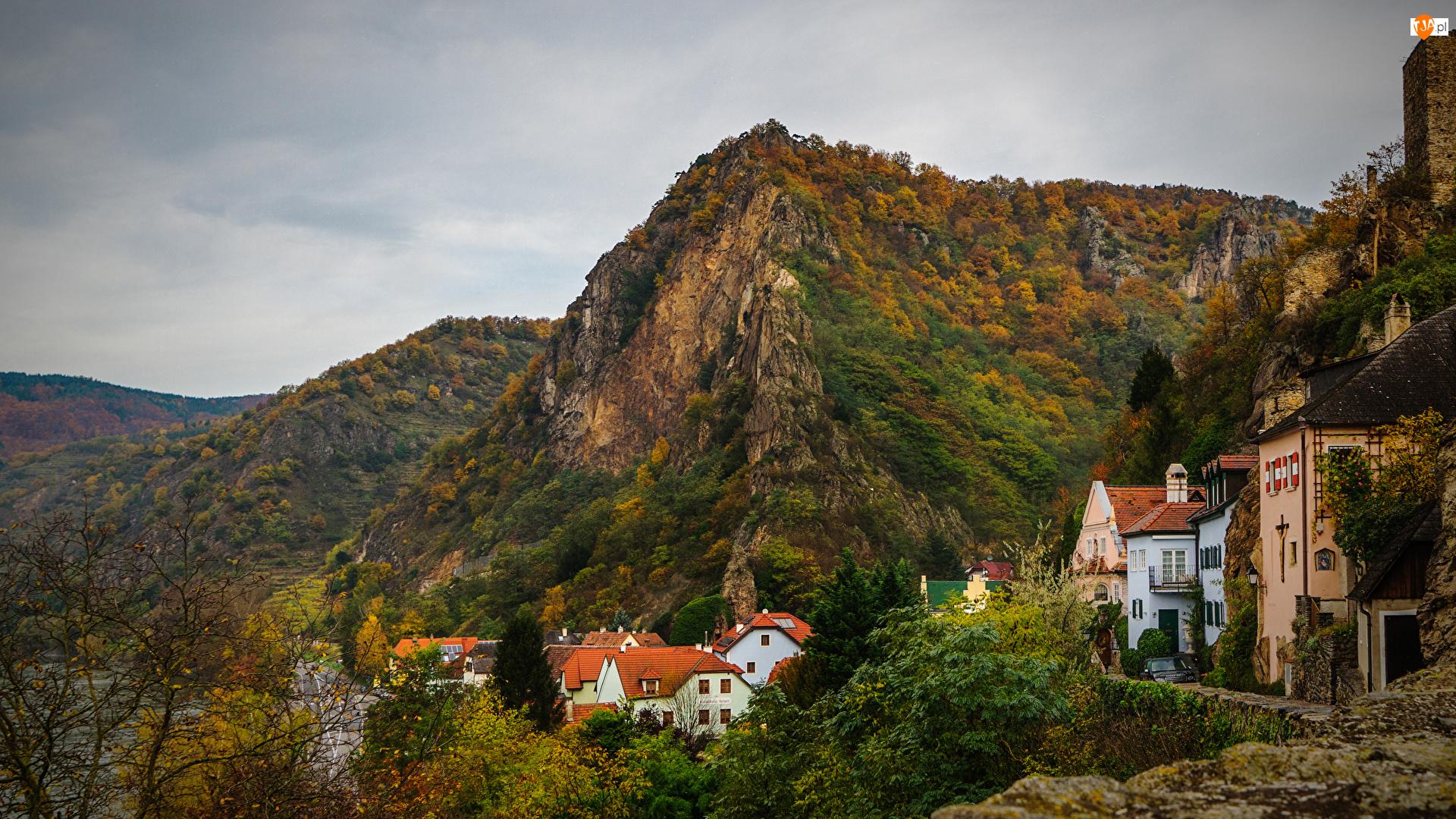 Lasy, Drzewa, Austria, Góry, Durnstein, Domy, Jesień