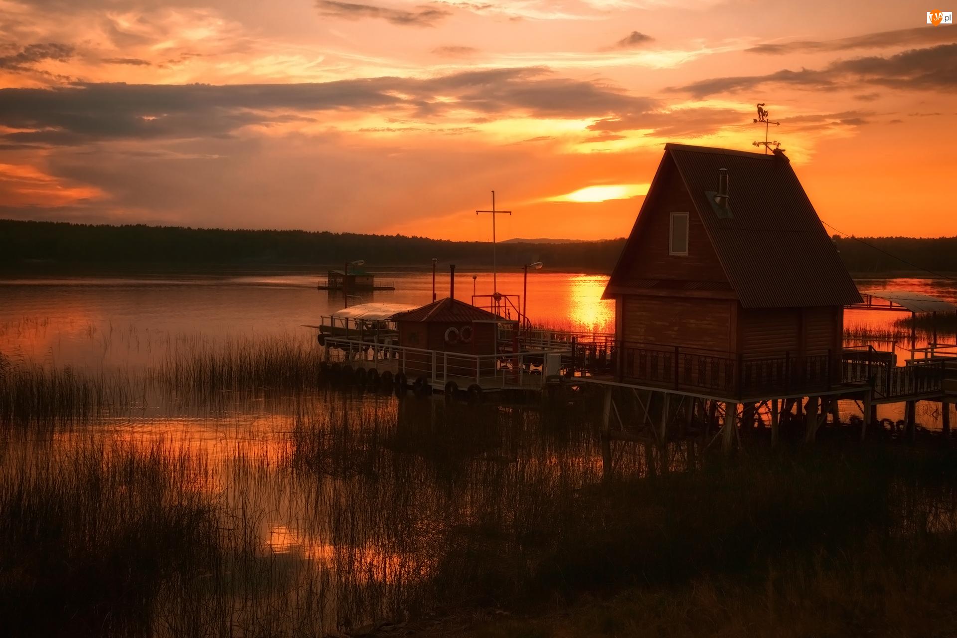 Jezioro, Przystań, Dom, Zachód słońca, Pomost, Szuwary