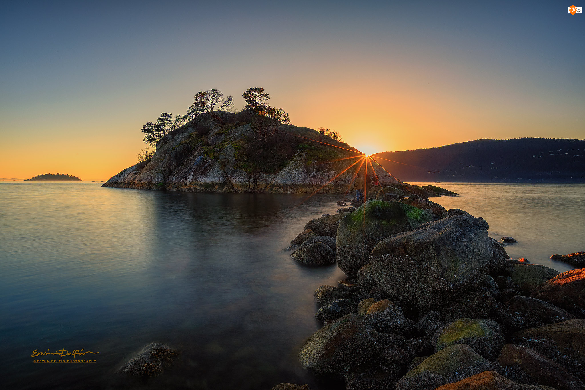 Kanada, Morze, West Vancouver, Kamienie, Whytecliffpark, Skały, Drzewa, Zachód słońca, Omszałe
