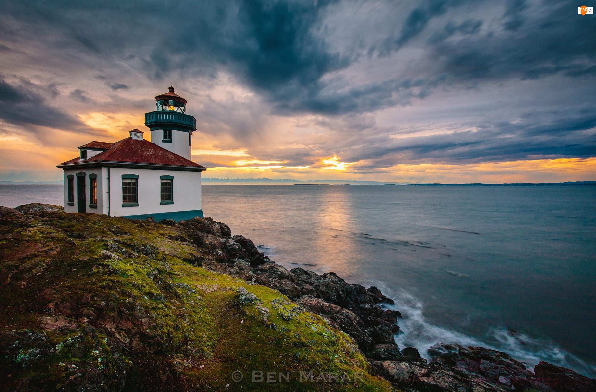 Skały, Latarnia morska Lime Kiln, Stany Zjednoczone, Morze, Stan Waszyngton, Friday Harbor, Chmury