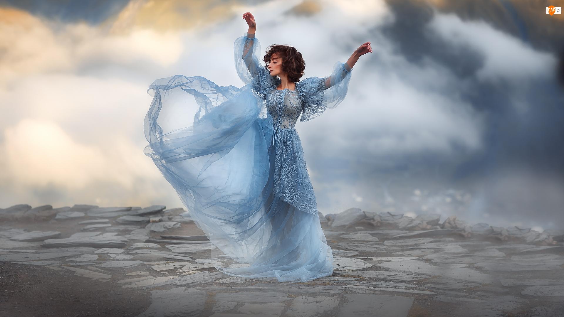 Sukienka, Kobieta, Szatynka, Niebieska
