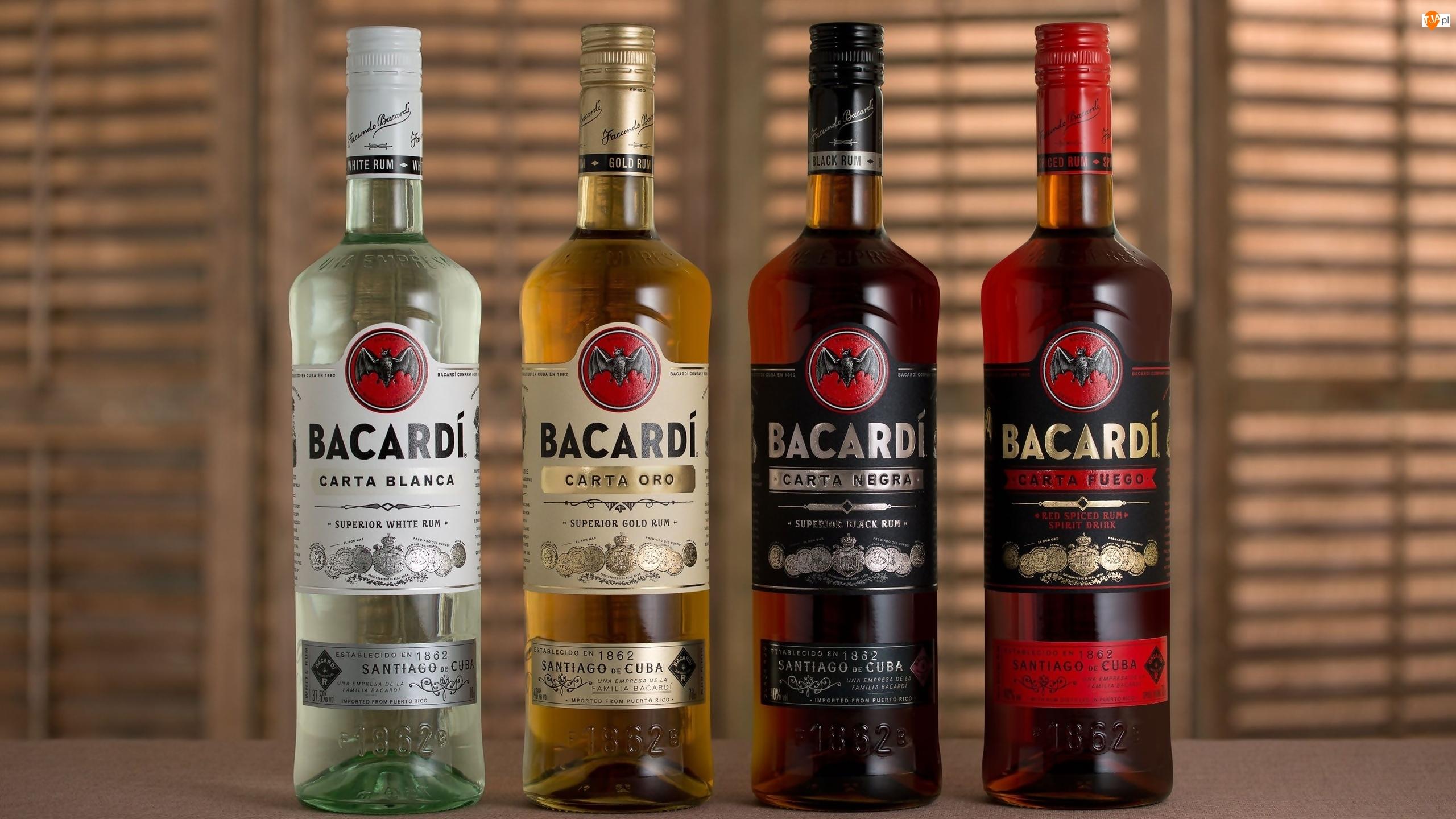 Butelki, Rum, Bacardi, Cztery