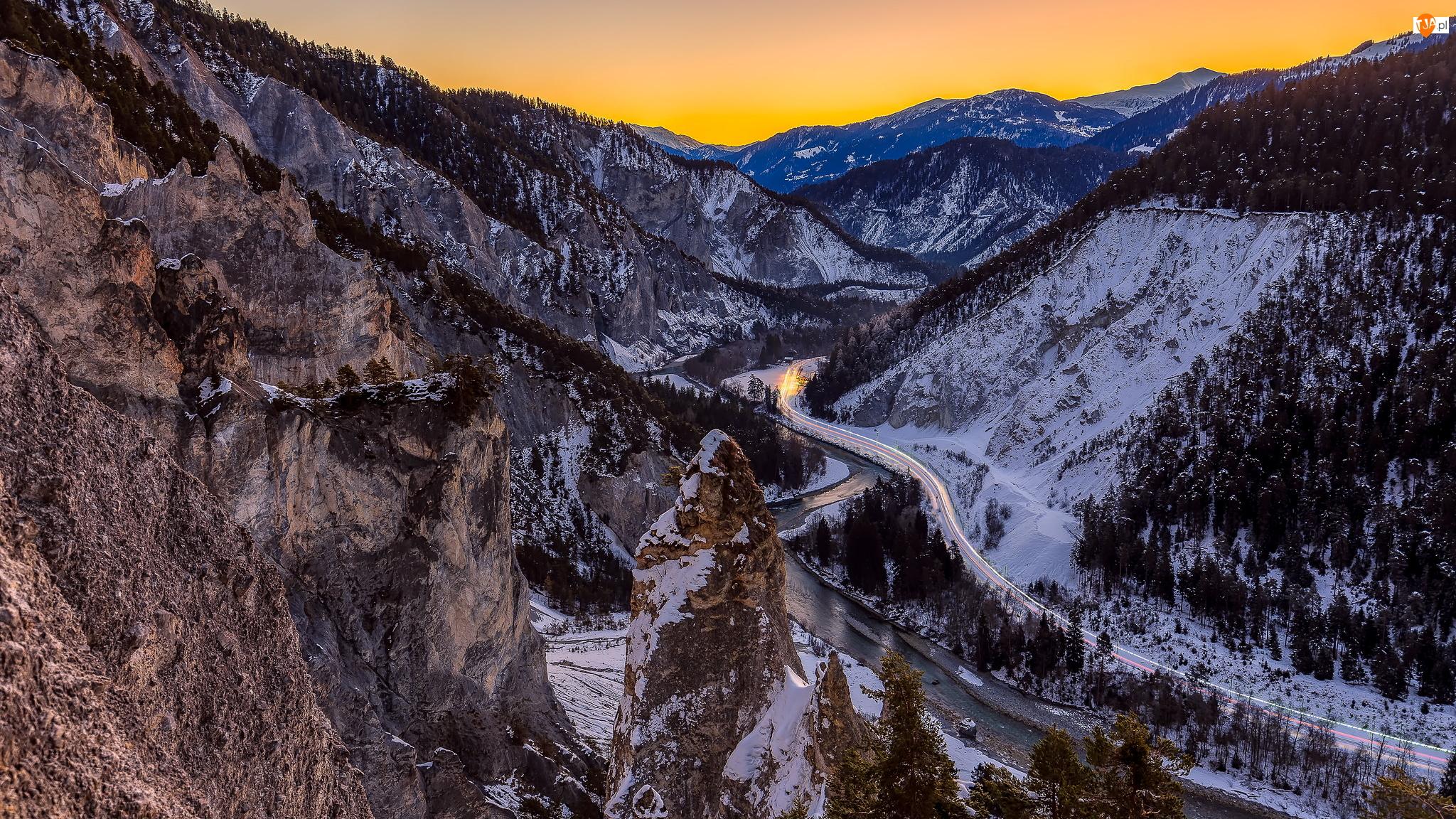 Szwajcaria, Śnieg, Versam, Droga, Wąwóz, Kanion, Góry, Ruinaulta, Rzeka Ren, Kanton Gryzonia