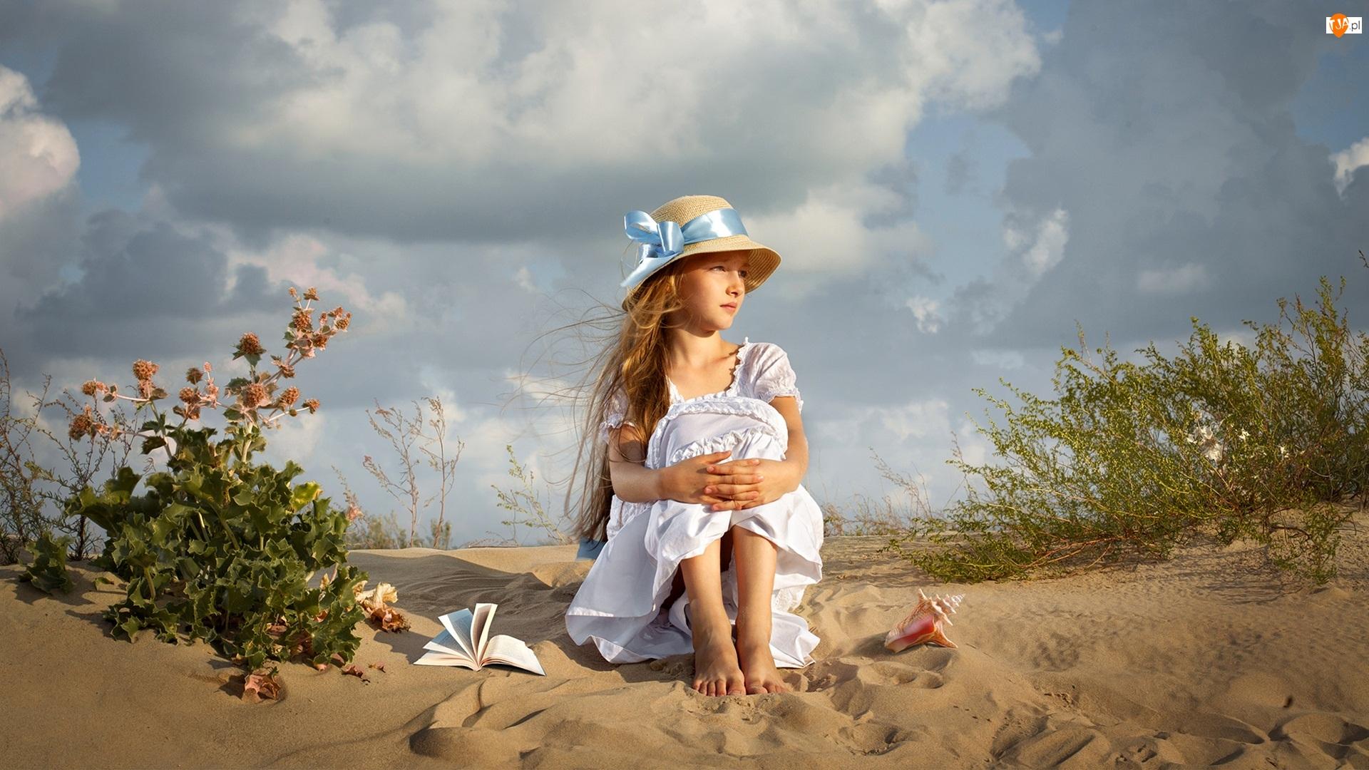 Kapelusz, Dziewczynka, Książka, Rośliny, Plaża, Muszla
