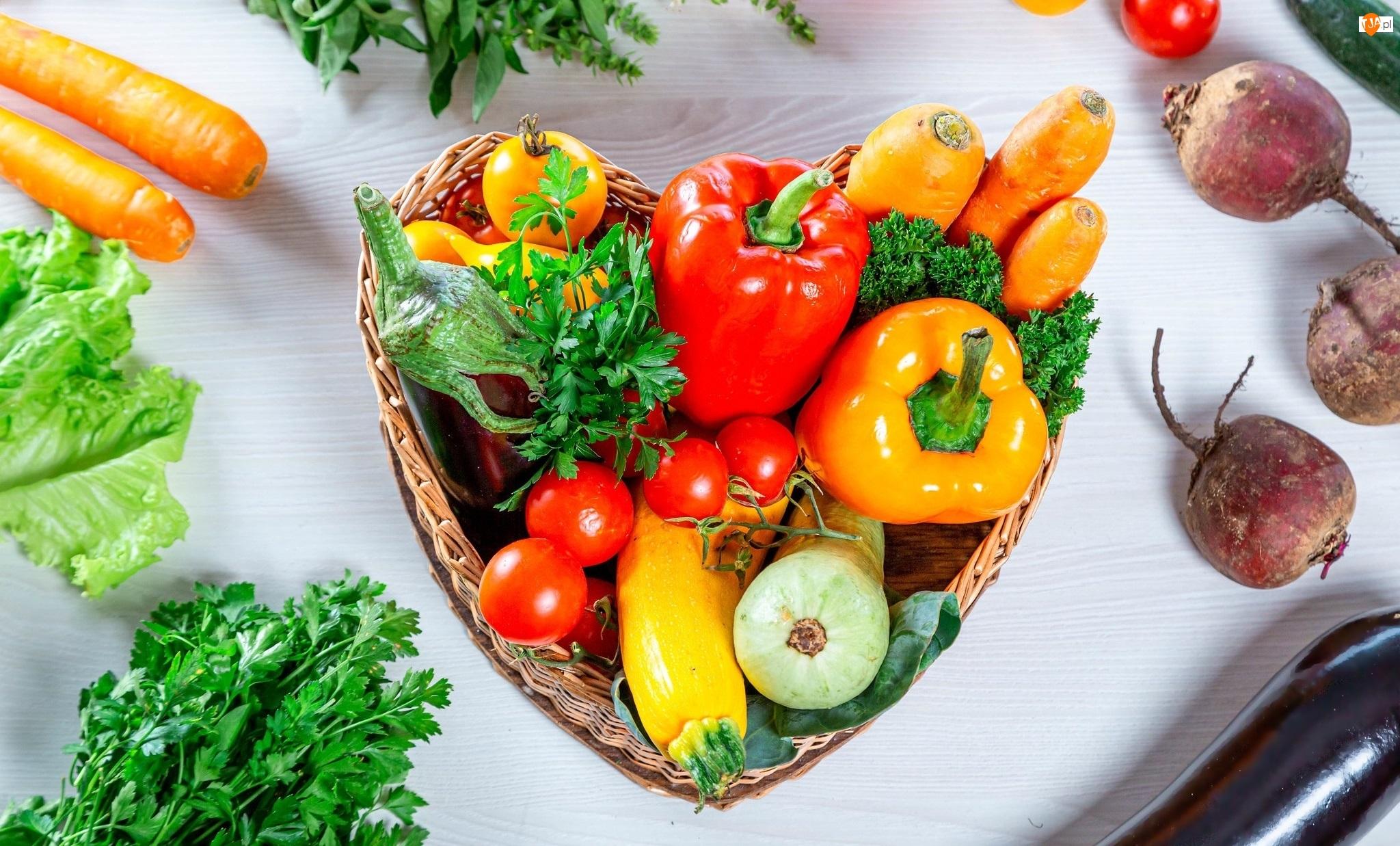 Buraki, Warzywa, Marchew, Sałata, Koszyk, Pomidory, Pietruszka, Papryka