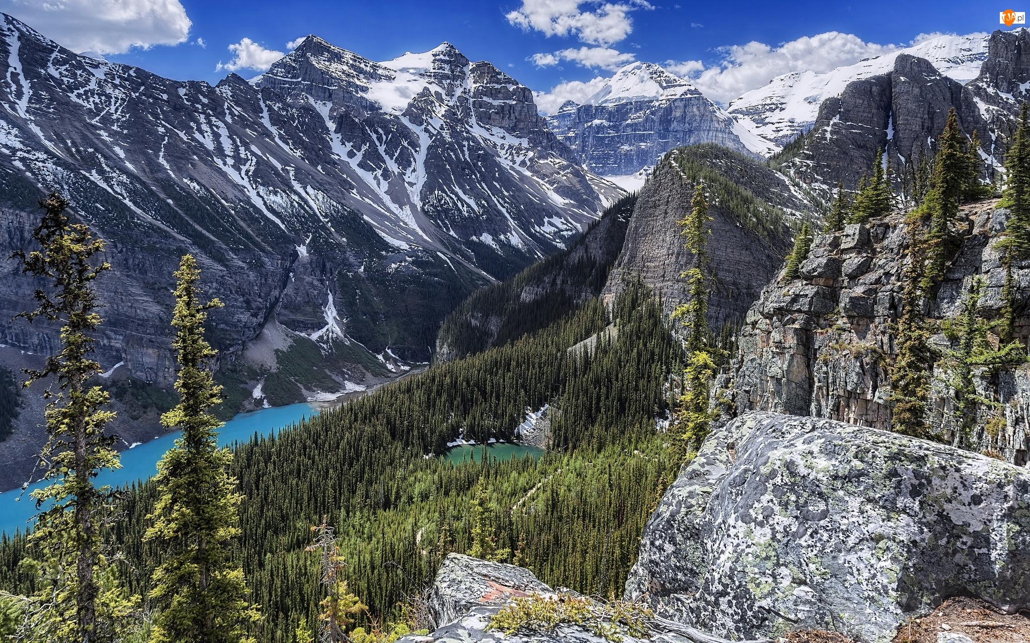 Park Narodowy Banff, Góry, Skały, Prowincja Alberta, Jezioro Lake Louise, Chmury, Kanada, Las