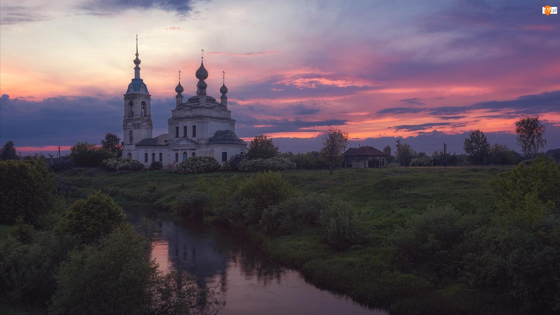 Cerkiew, Zachód słońca, Drzewa, Rosja, Rzeka Ustya, Obwód jarosławski