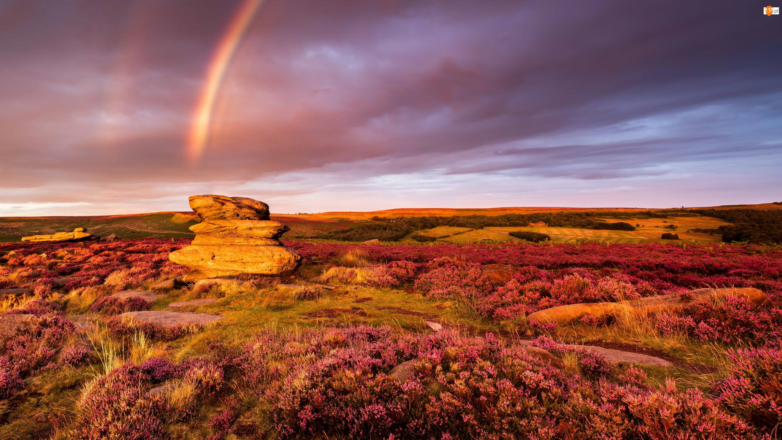 Park Narodowy Peak District, Wrzosowisko, Zachód słońca, Hrabstwo Derbyshire, Wzgórza, Tęcza, Anglia, Skały