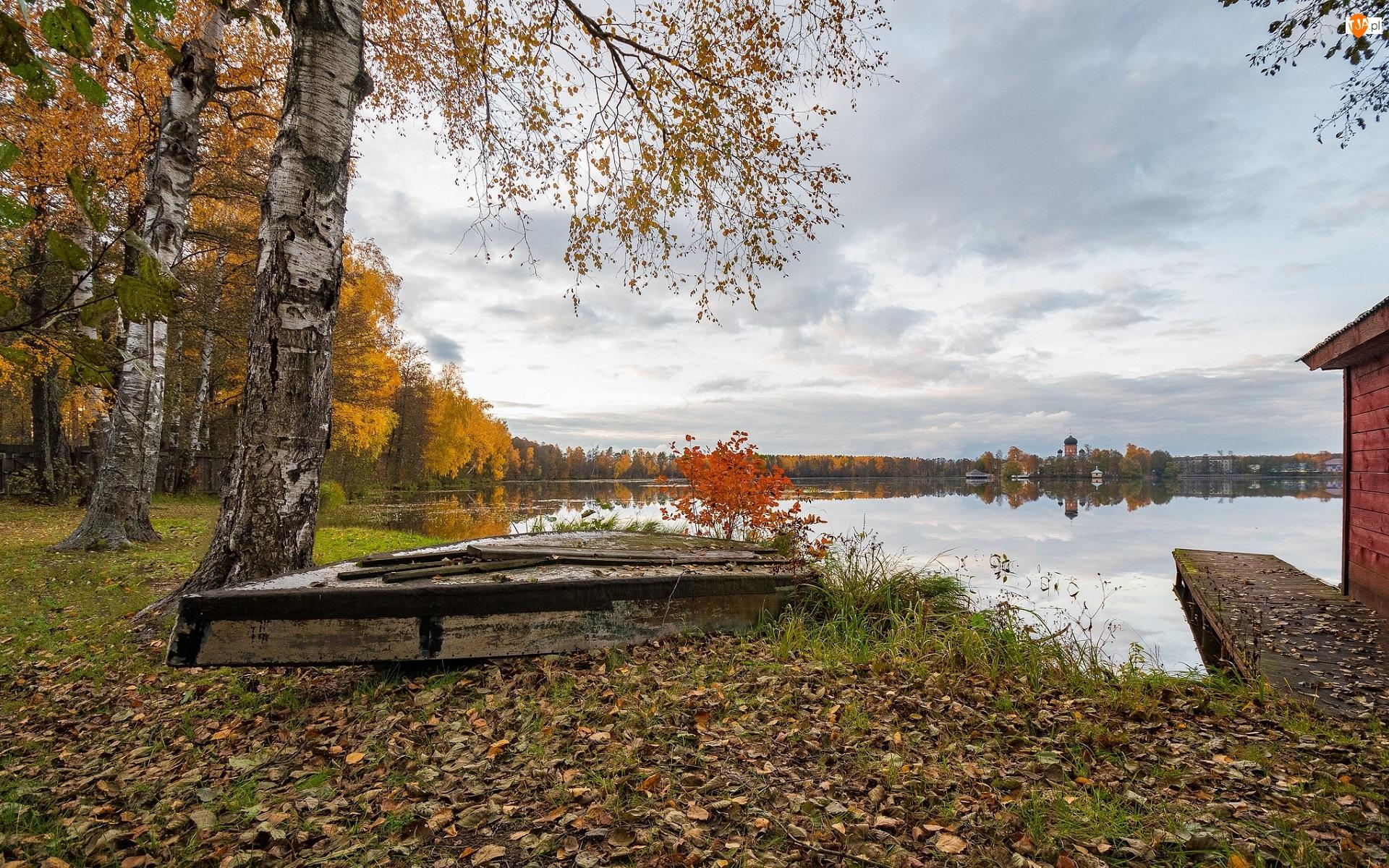 Jezioro, Jesień, Las, Brzozy, Łódka, Drzewa