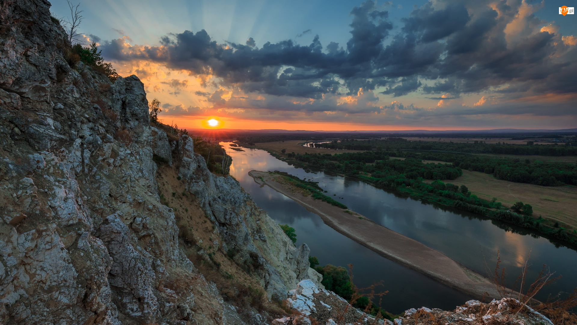 Rzeka, Chmury, Góra, Zachód słońca, Skała, Pola, Wysepka