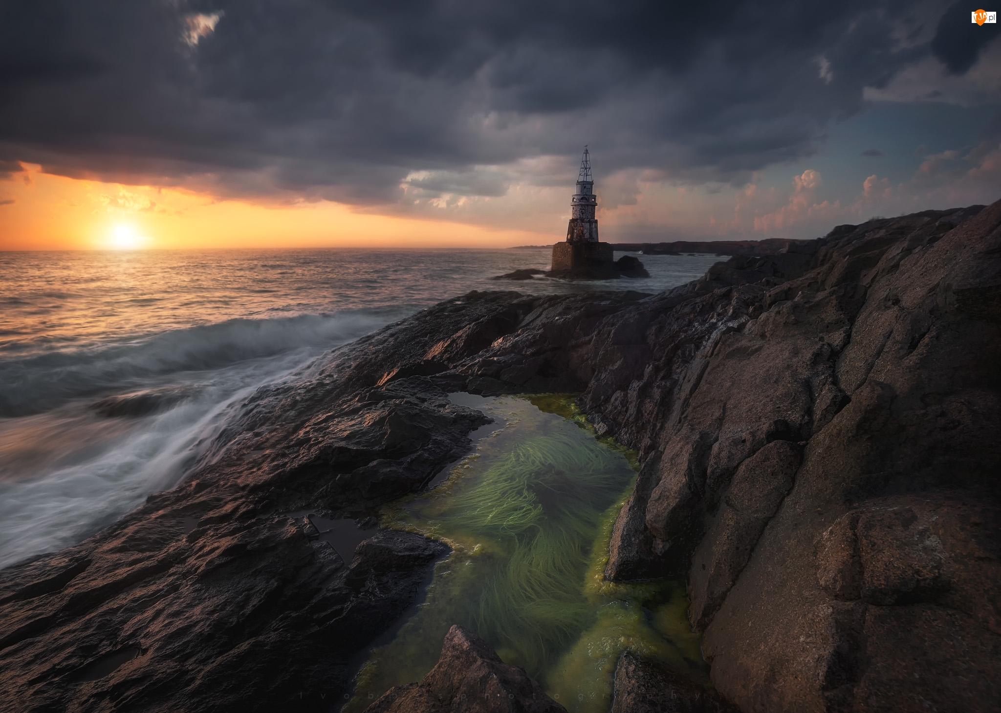 Zachód słońca, Morze Czarne, Skały, Bułgaria, Latarnia morska, Ahtopol
