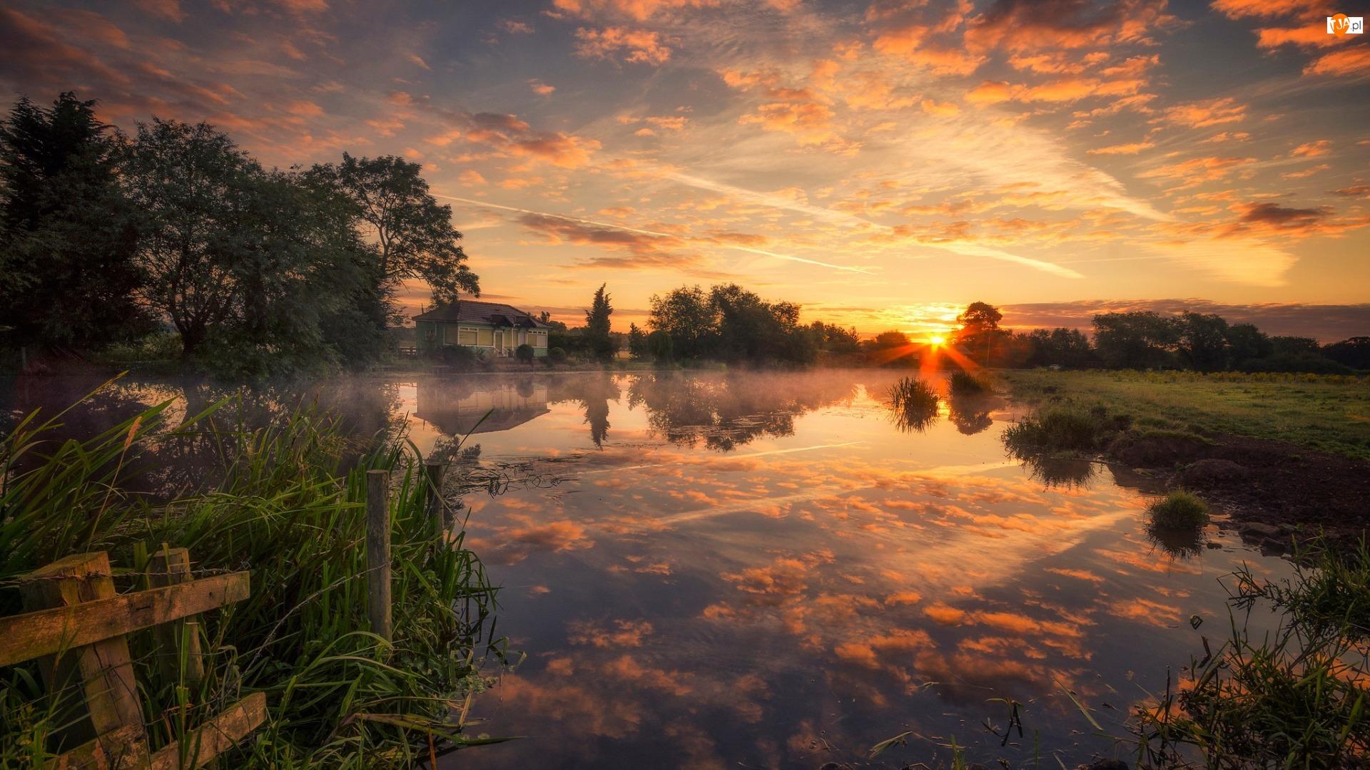 Wieś Zouch, Wschód słońca, Drzewa, Nottinghamshire, Rzeka, Dom, Anglia, River Soar