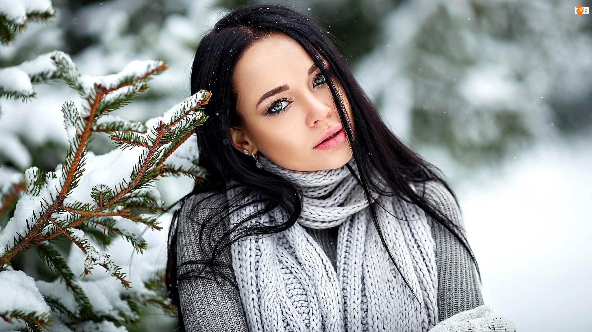 Modelka, Angelina Petrova, Świerk, Kobieta, Gałązka, Śnieg, Szal