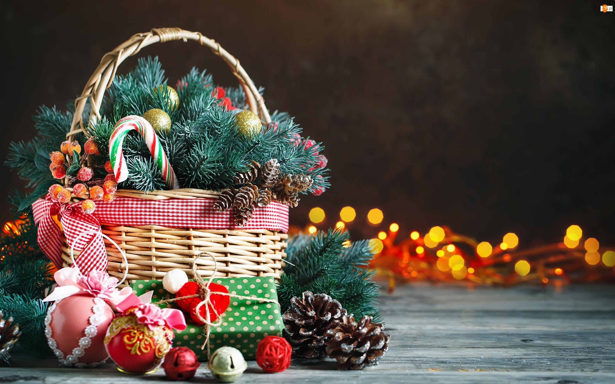 Koszyk, Gałązki, Prezent, Boże Narodzenie, Szyszki, Bombki, Świerkowe