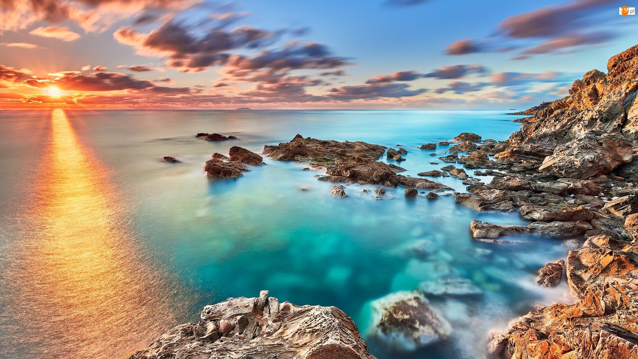 Skały, Zachód słońca, Morze, Wybrzeże, Chmury