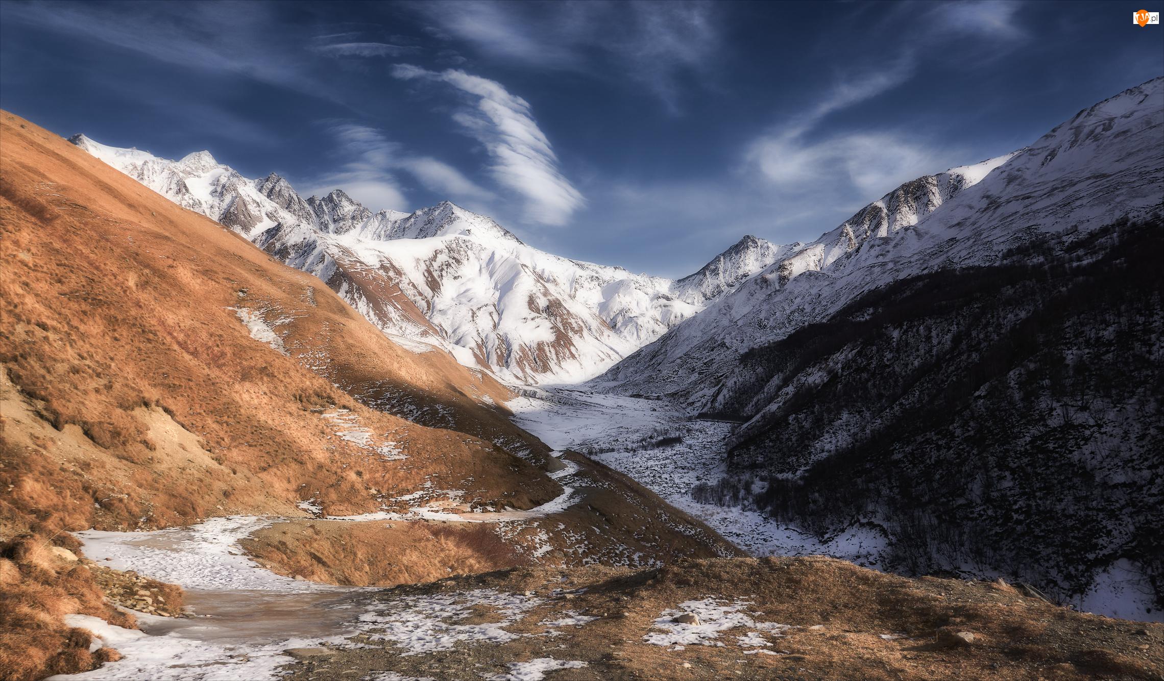 Dolina, Góry, Ośnieżone, Szczyty