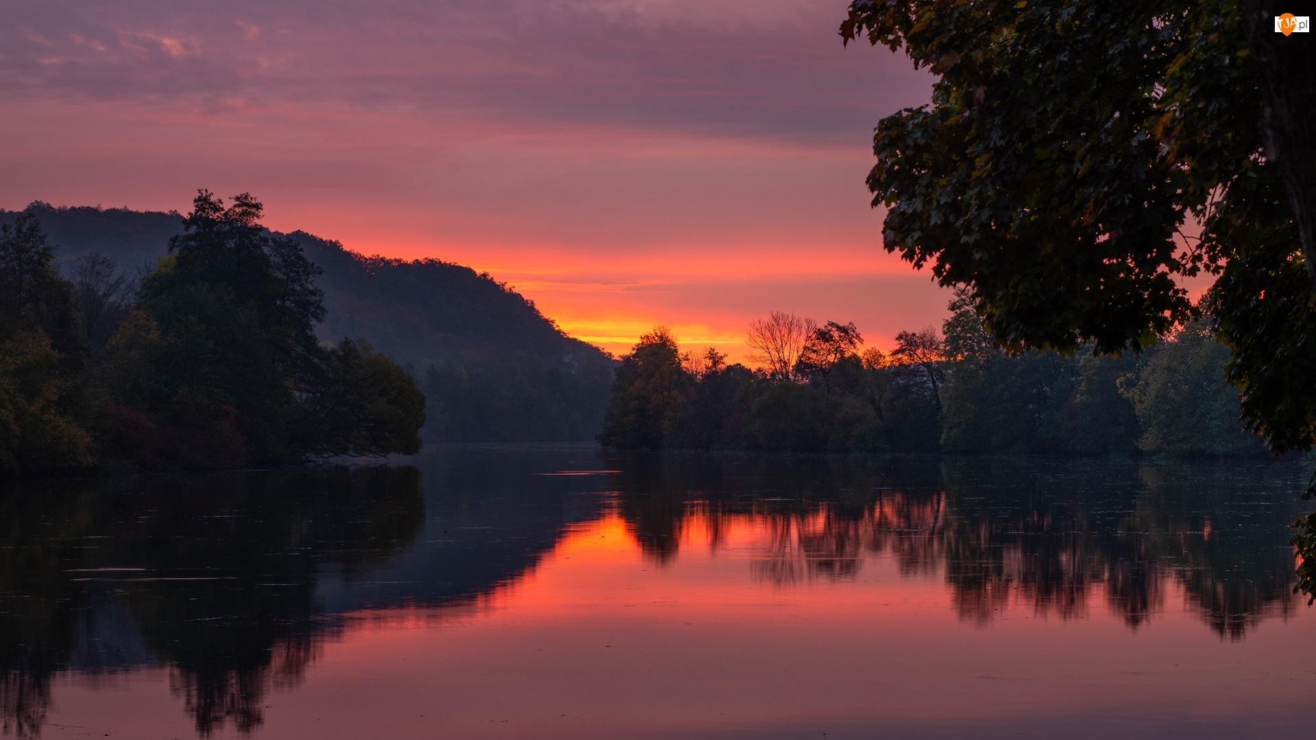 Zachód słońca, Niebo, Drzewa, Jezioro, Czerwone
