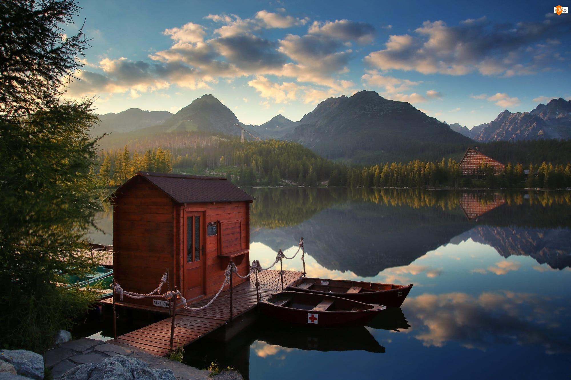 Jezioro, Góry, Domek, Łódki, Przystań, Pomost