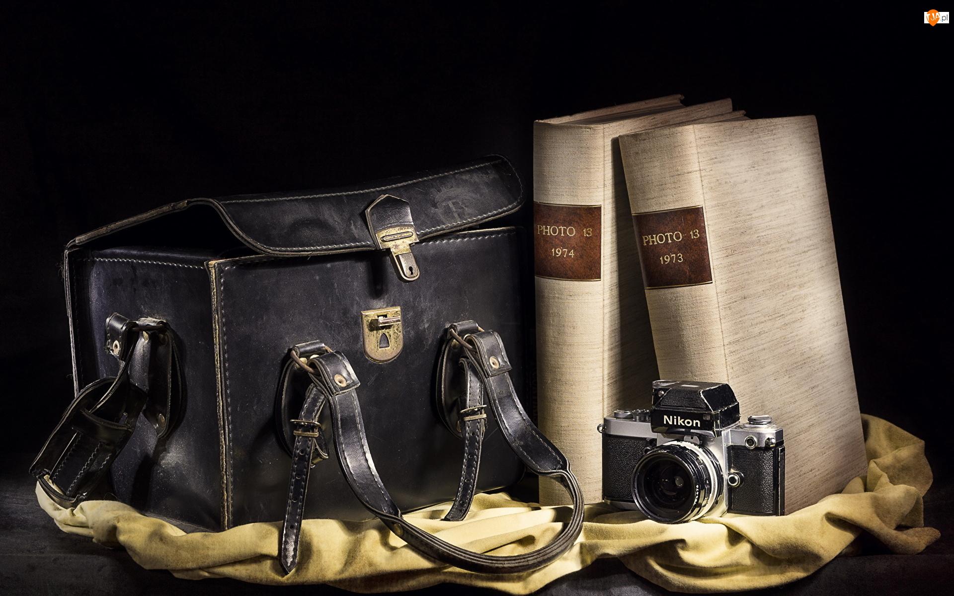 Książki, Torba, Nikon, Aparat fotograficzny, Albumy