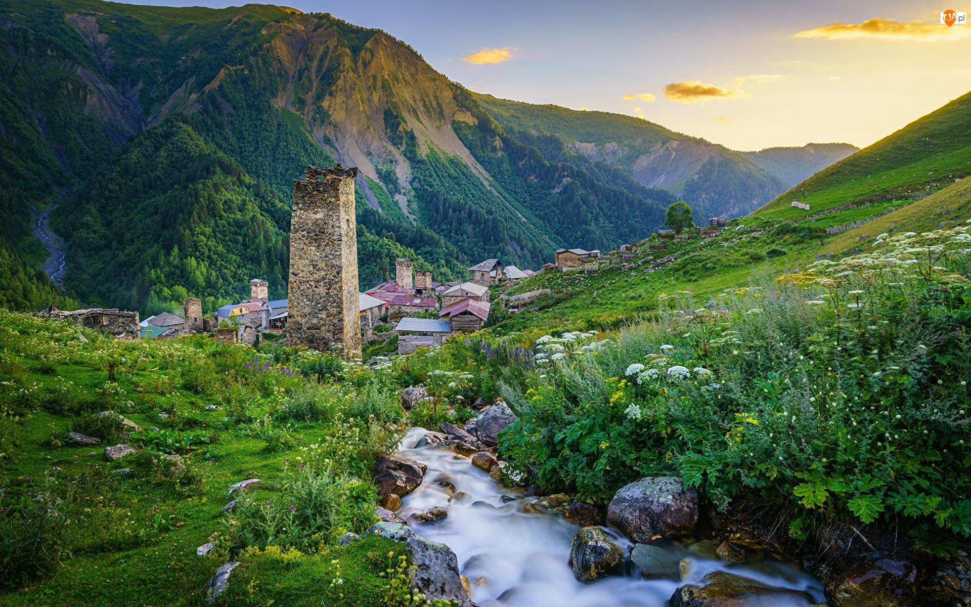 Strumień, Góry, Kaukaz, Baszta, Megrelia-Górna Swanetia, Gruzja, Domy, Adishi, Ruina, Kamienie