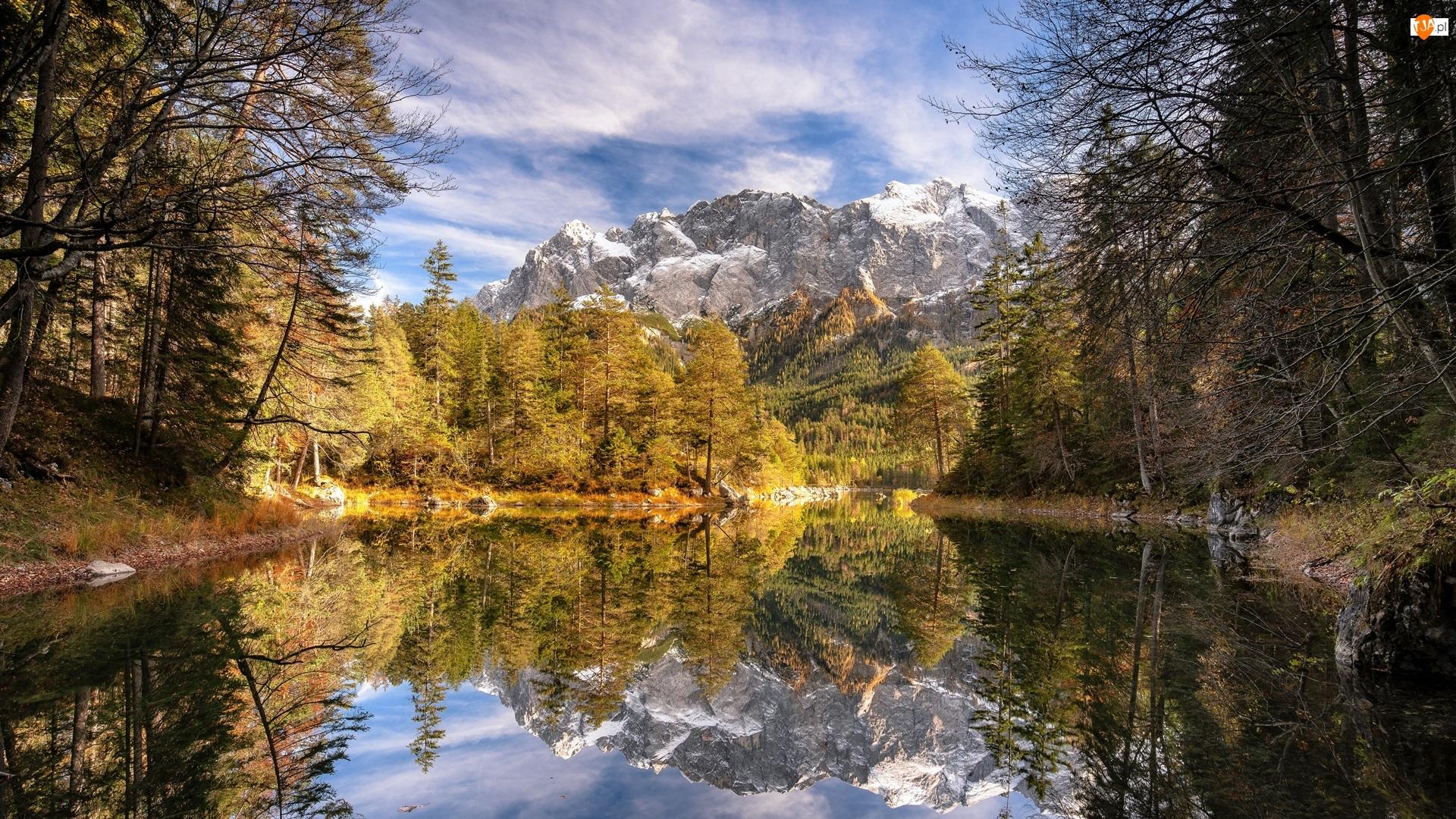 Chmury, Odbicie, Drzewa, Góry, Jezioro