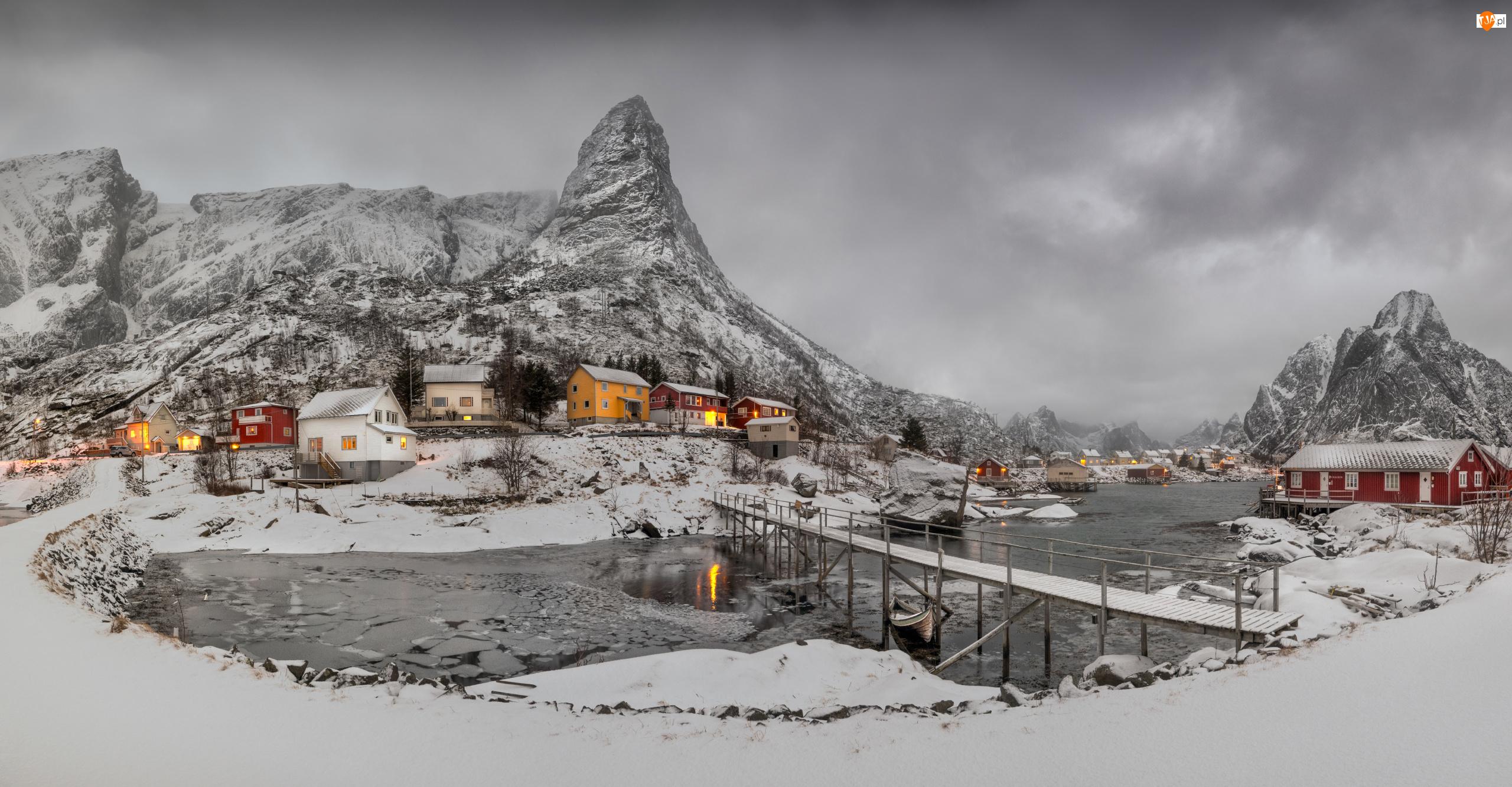 Lofoty, Wioska Reine, Mosty, Norwegia, Góry, Domy, Zima