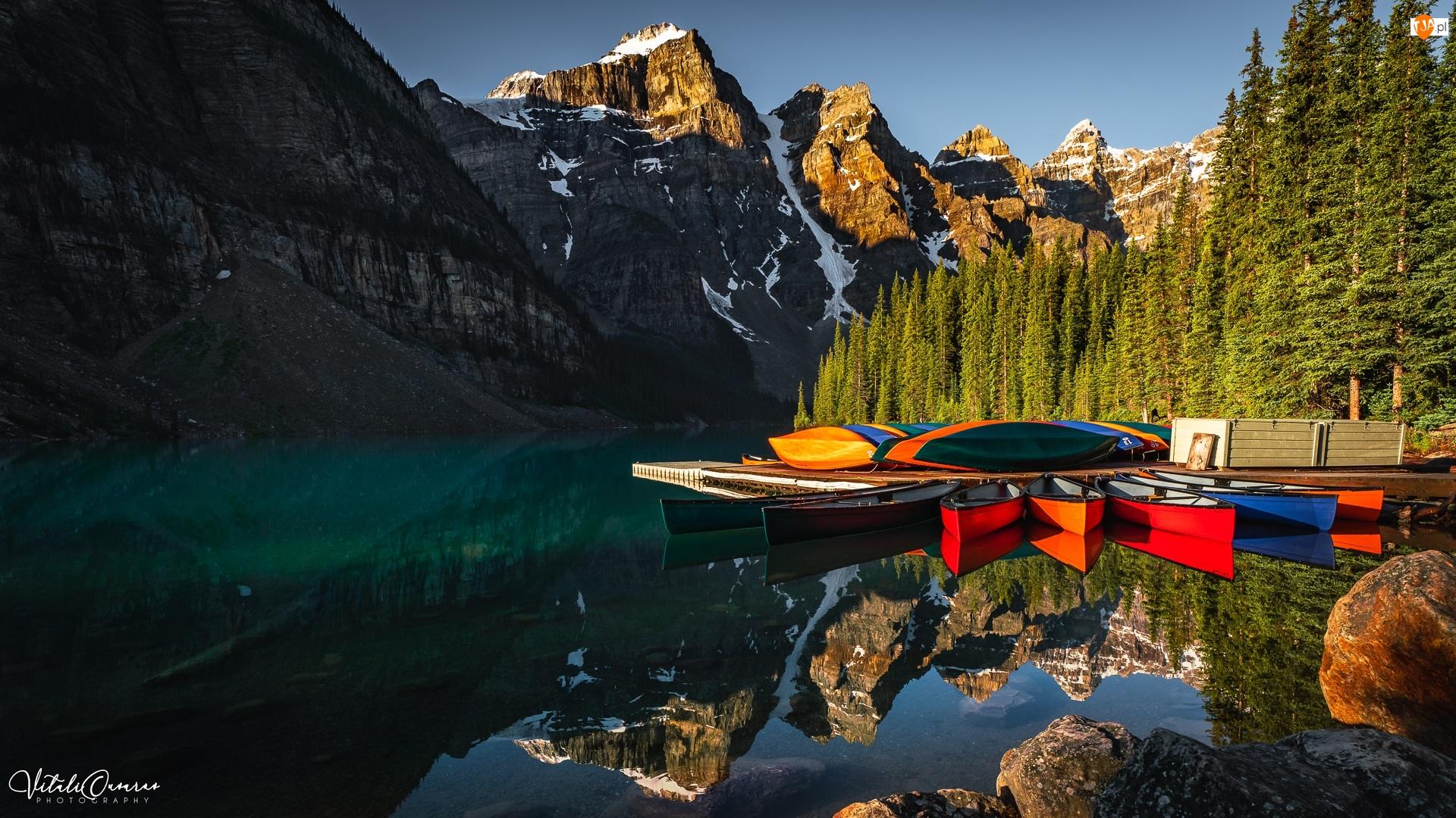 Kanada, Góry, Park Narodowy Banff, Drzewa, Moraine Lake, Jezioro, Kajaki, Pomost, Las, Prowincja Alberta