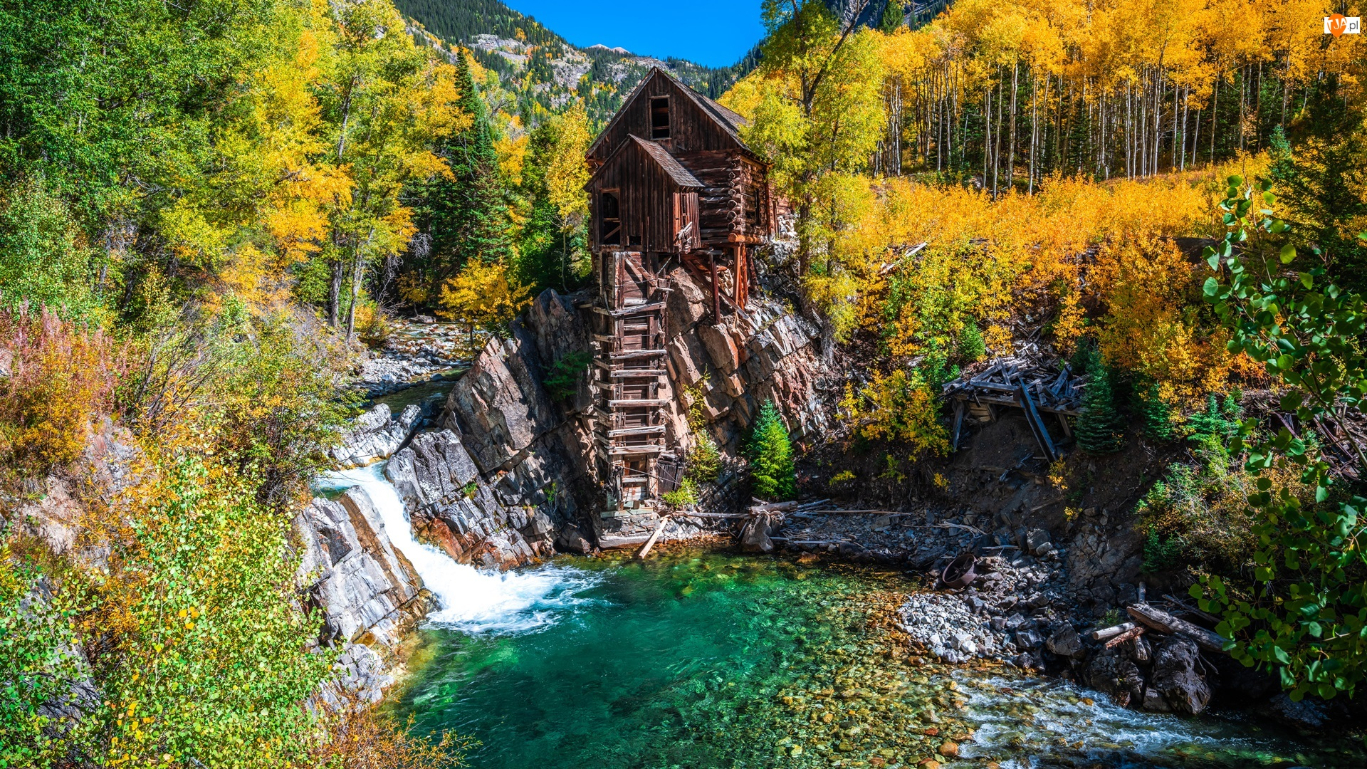 Rzeka Crystal River, Jesień, Stany Zjednoczone, Młyn Crystal Mill, Kolorado, Drzewa, Skały