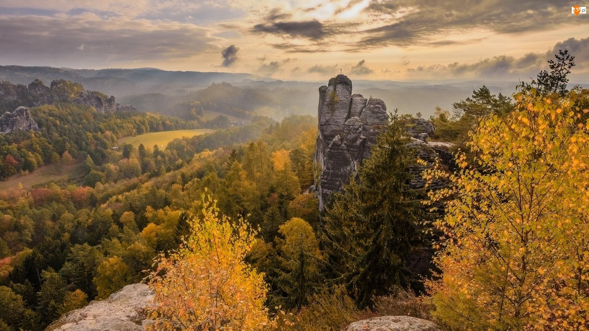 Park Narodowy Saskiej Szwajcarii, Jesień, Drzewa, Niemcy, Skały, Góry Połabskie