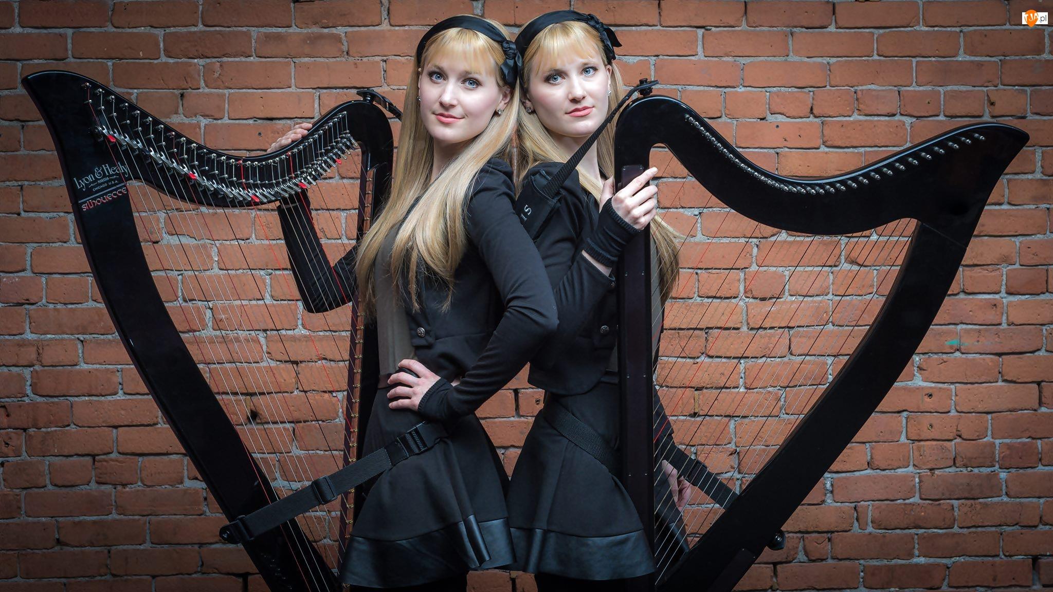 Camille Kitt, Kobiety, Bliźniaczki, Harfy, Kennerly Kitt, The Harp Twins